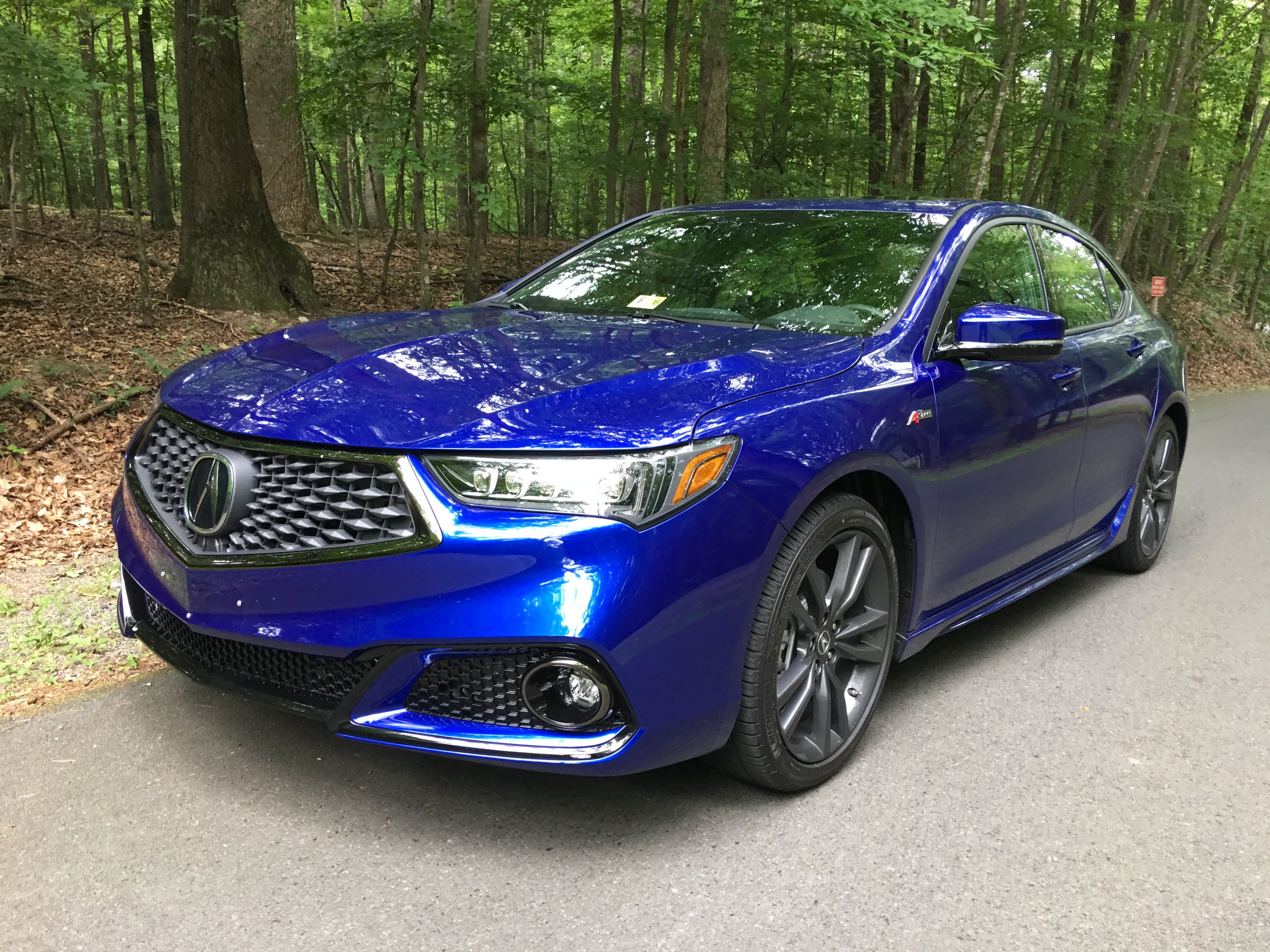 Acura TLX reviews specifications