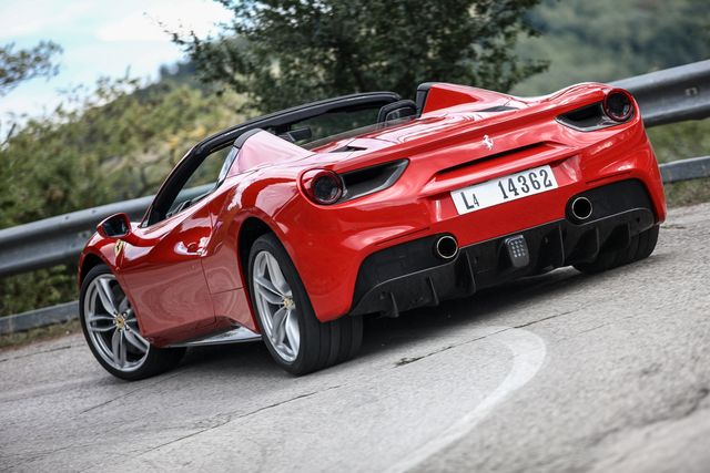 Ferrari 488 Spider Photos And Specs 3 9 At 3 9i V8 670 Hp 7 Auto Dct And Other Models At Autotras