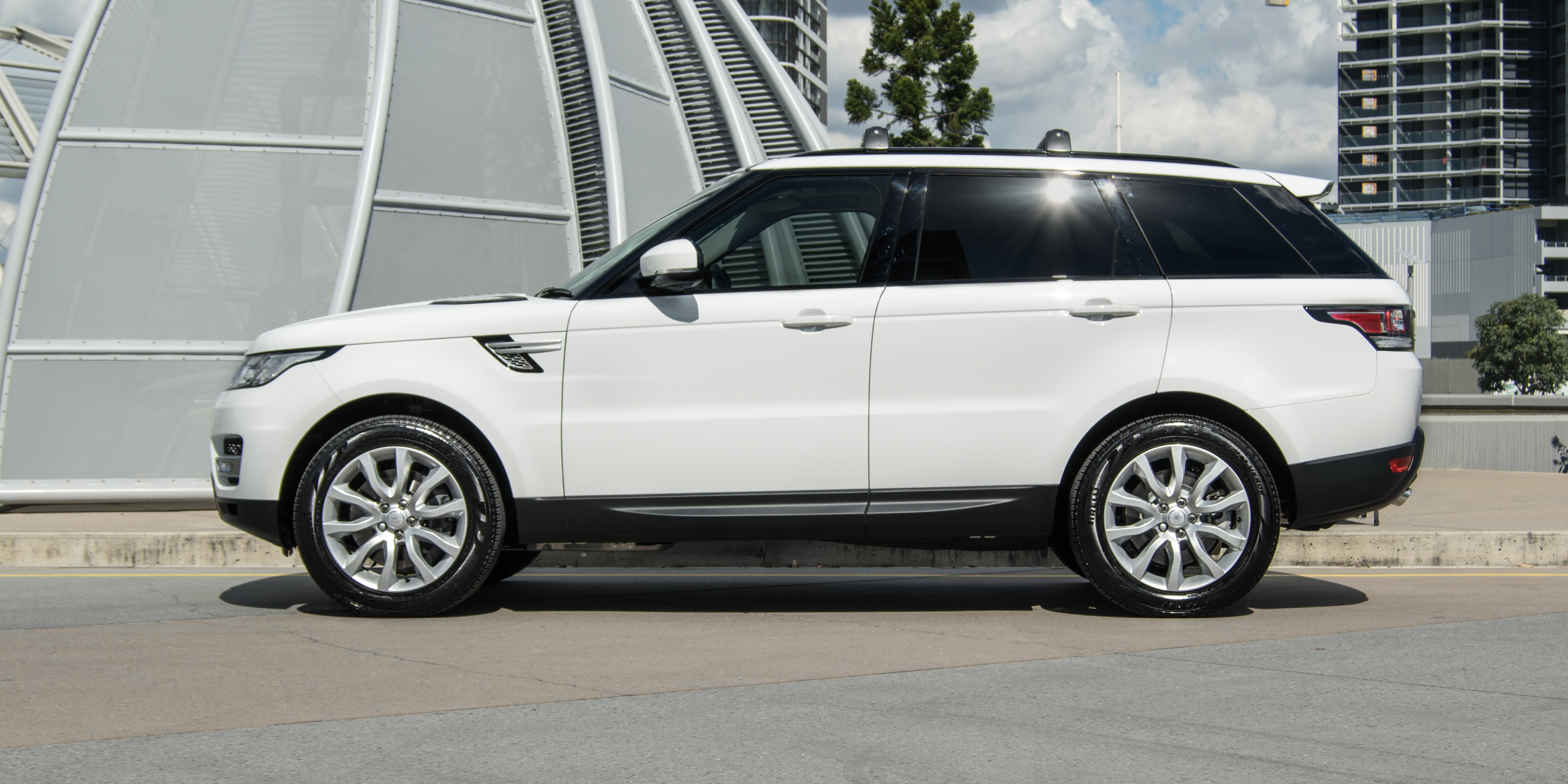 Land Rover Range Rover Sport reviews big