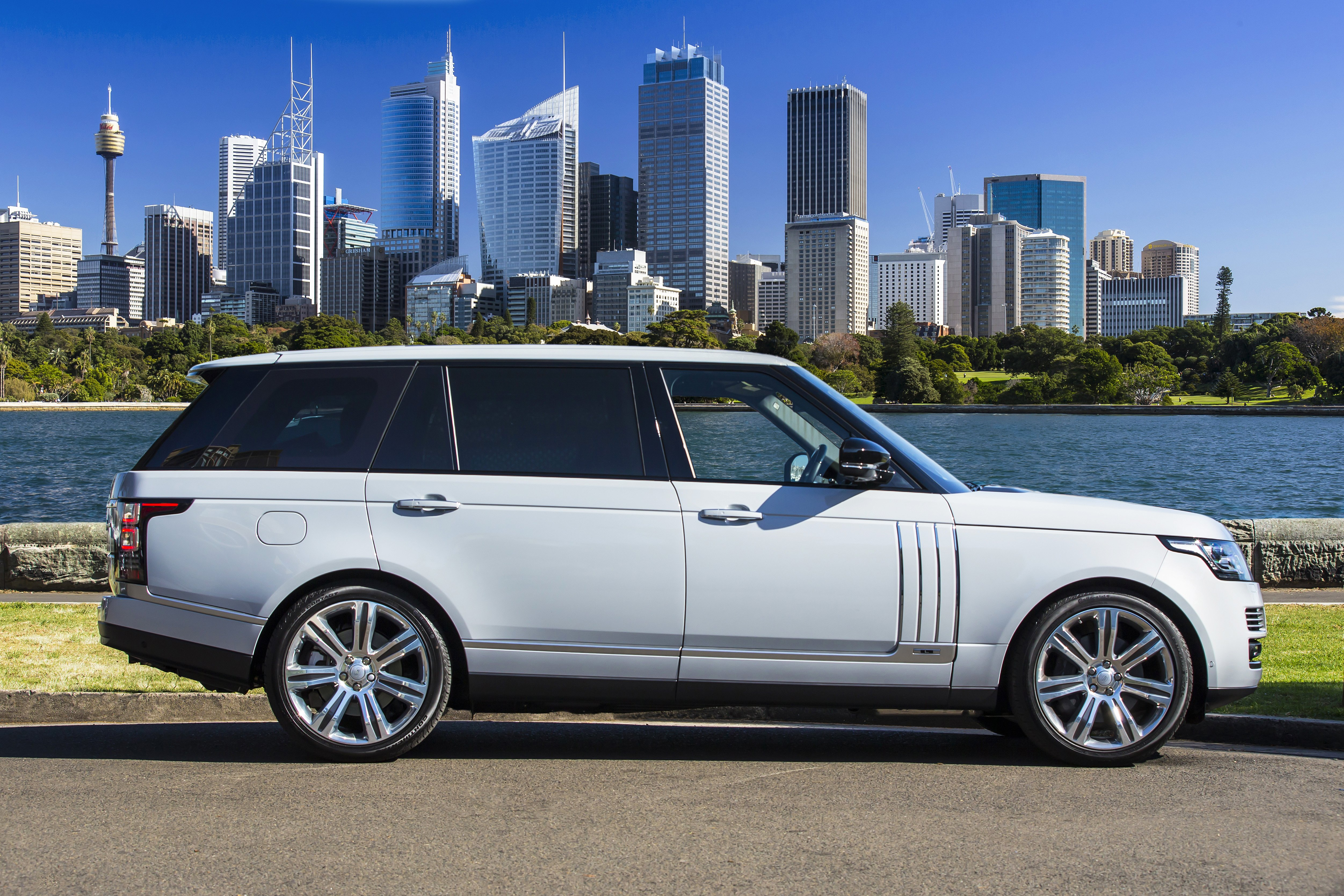 Land Rover Range Rover suv restyling