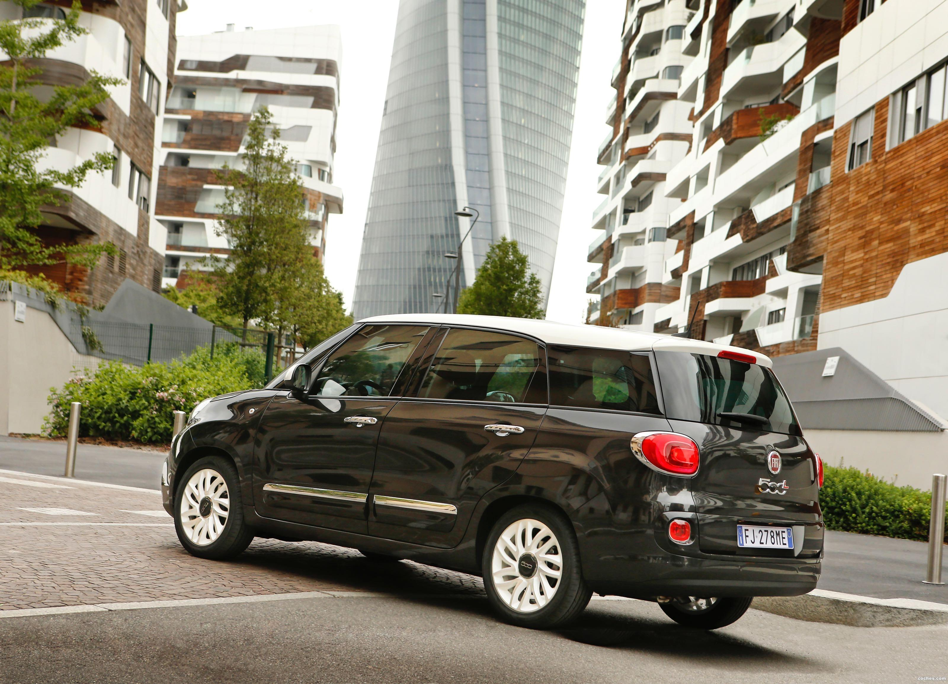 Fiat 500L Wagon modern photo
