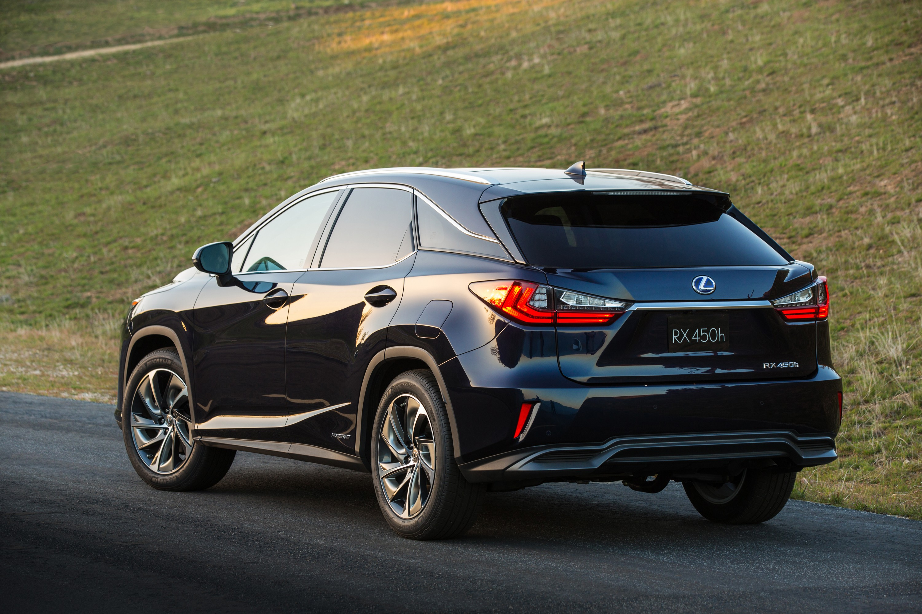 Lexus RX 450h best model