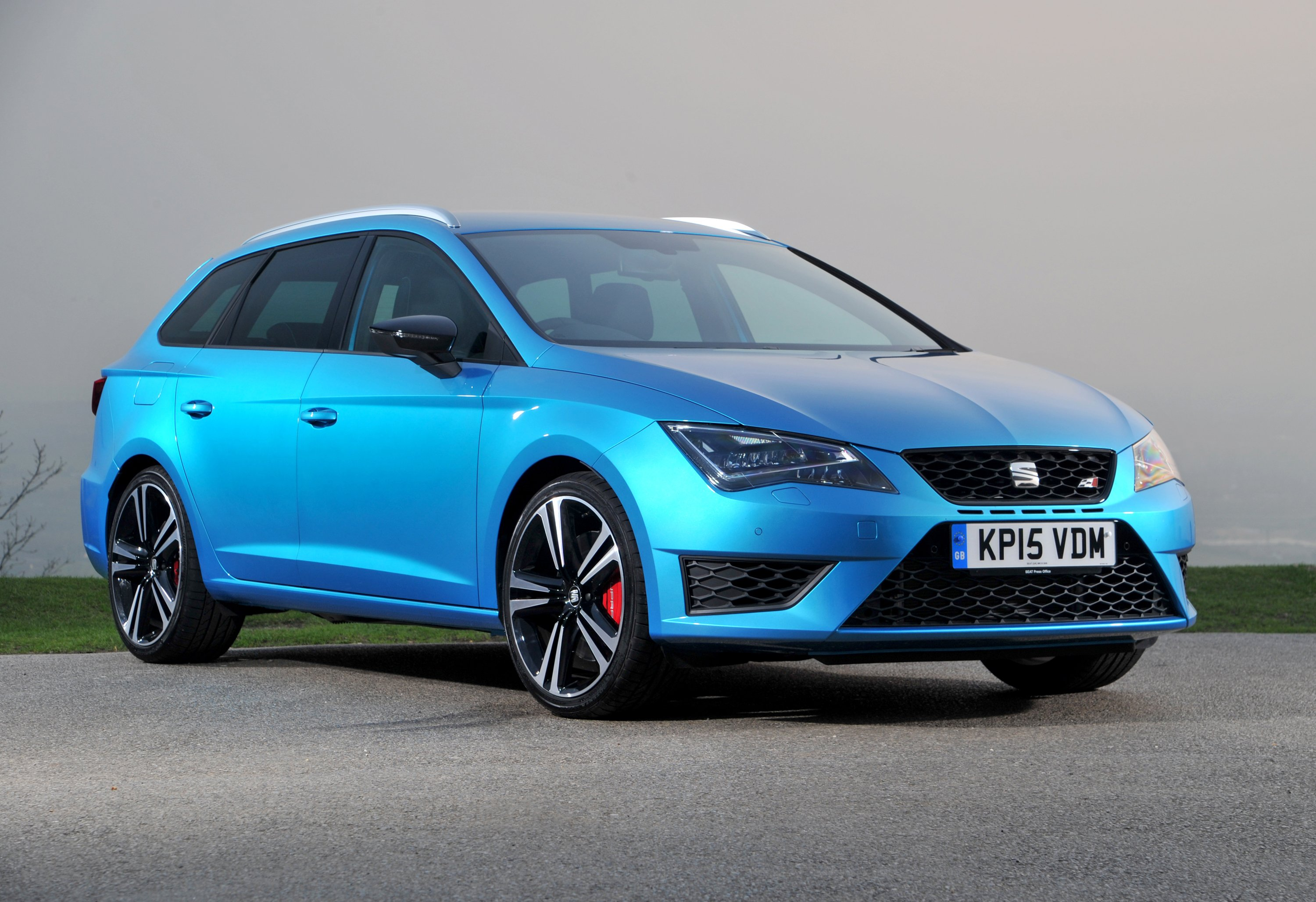 SEAT Leon ST Cupra accessories restyling