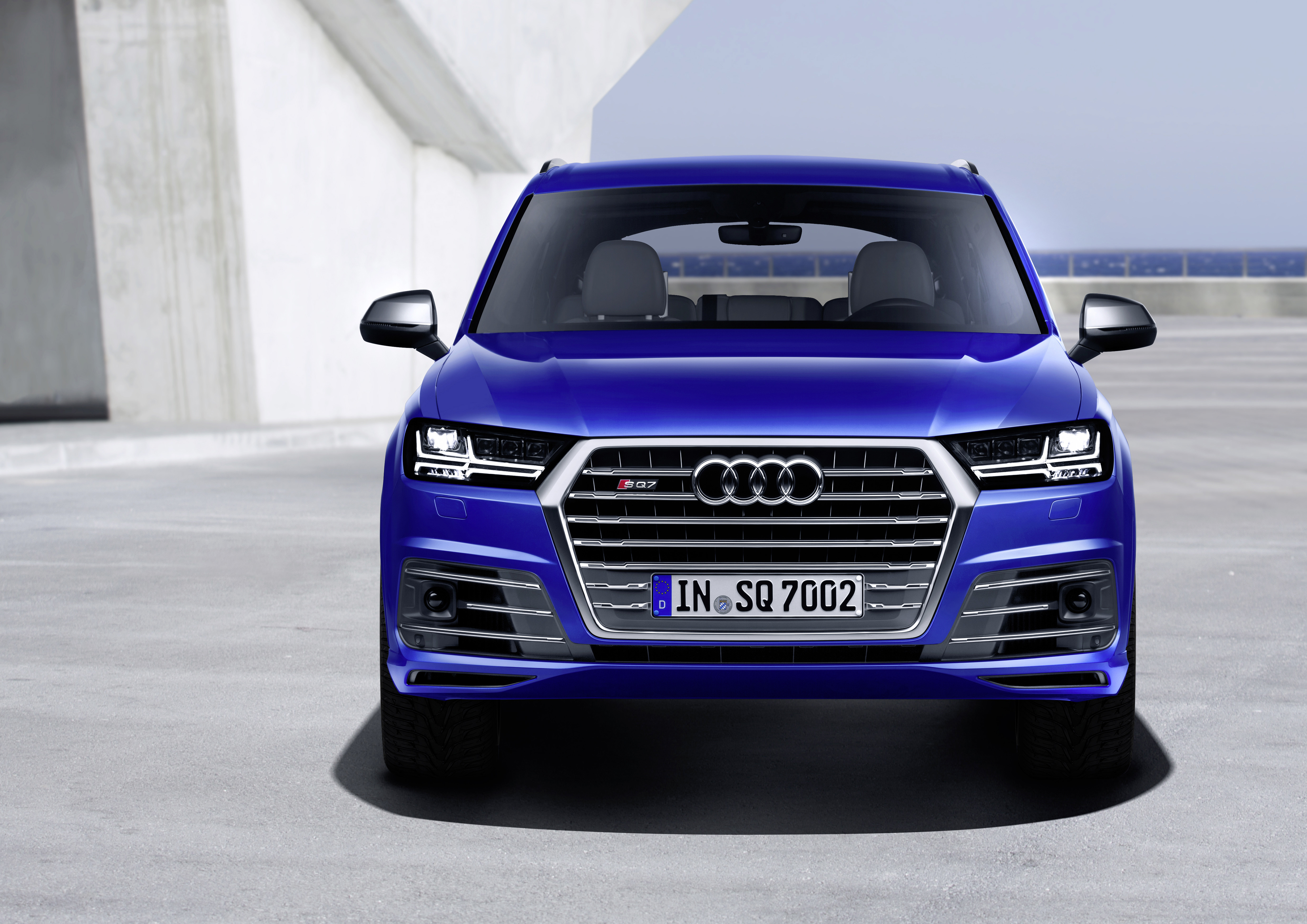 Audi SQ7 reviews 2016