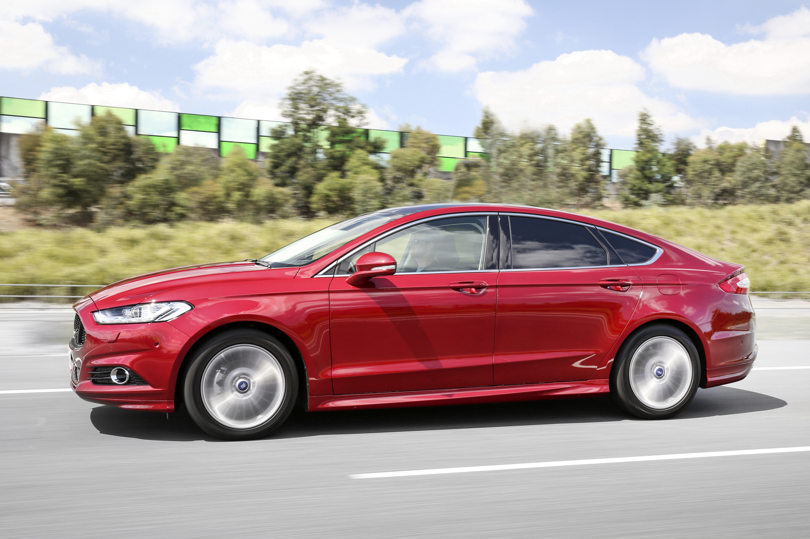 Ford Mondeo Wagon reviews restyling