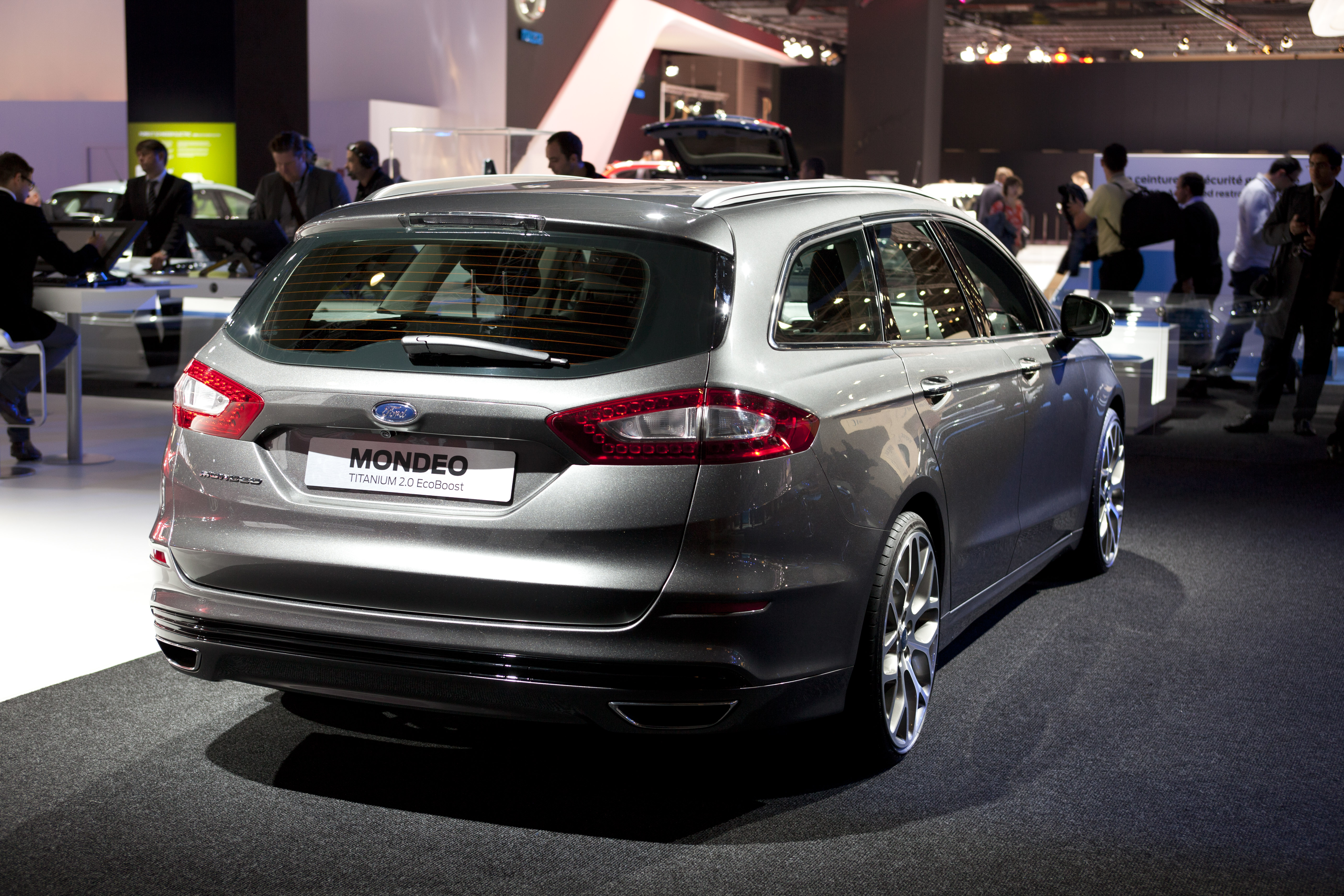 Ford Mondeo Wagon interior specifications