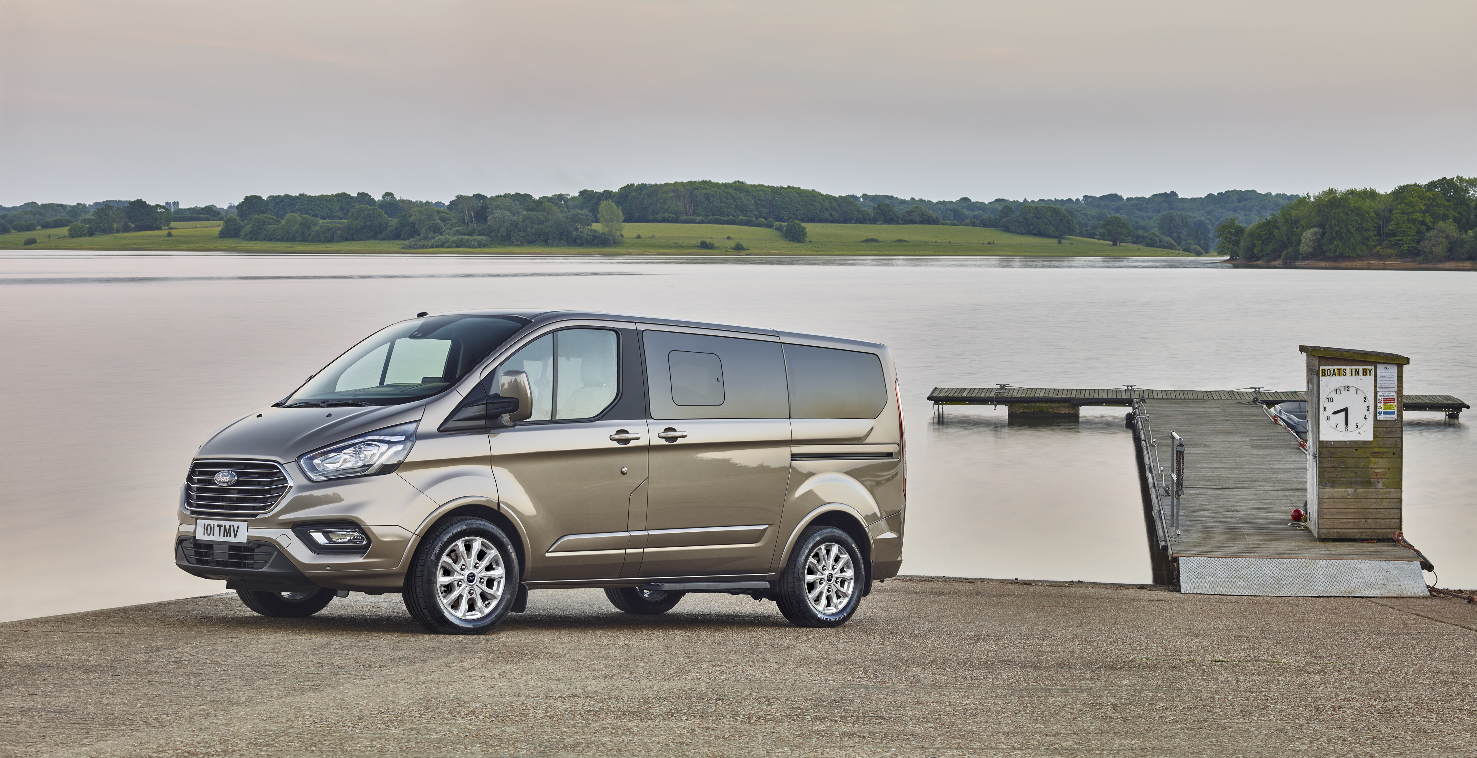 Ford Tourneo Custom reviews specifications