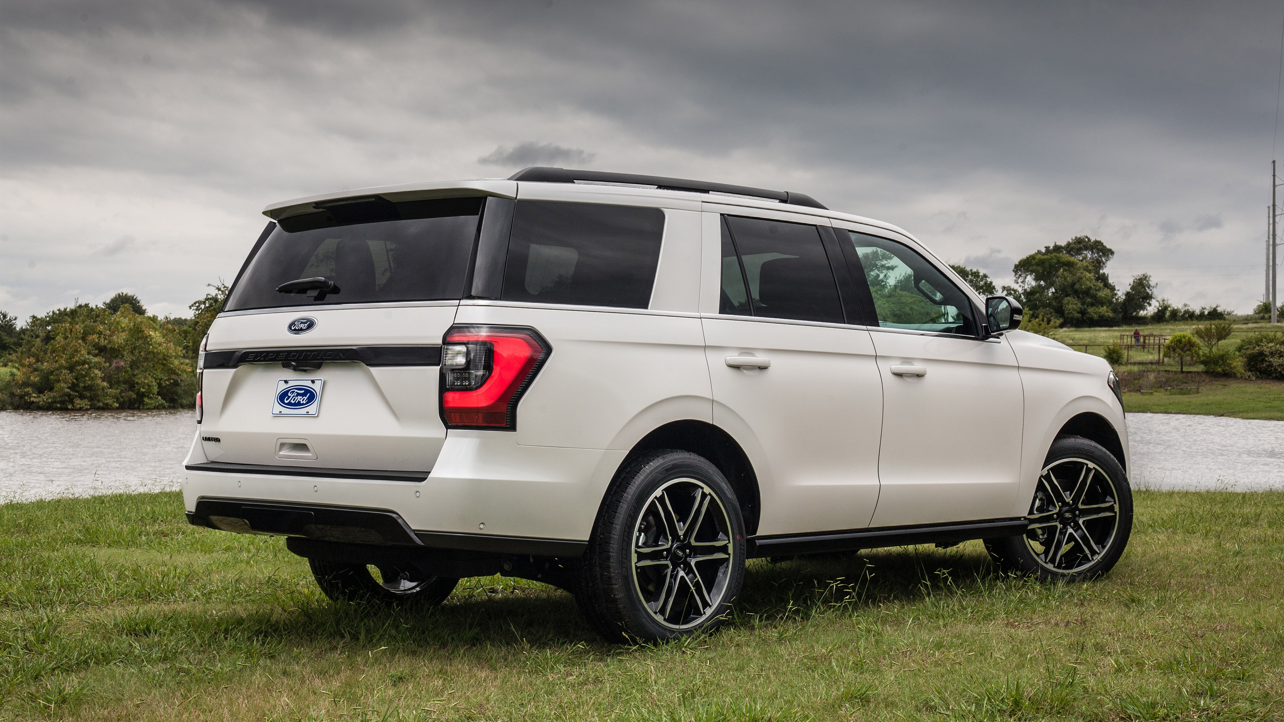 Ford Explorer suv restyling