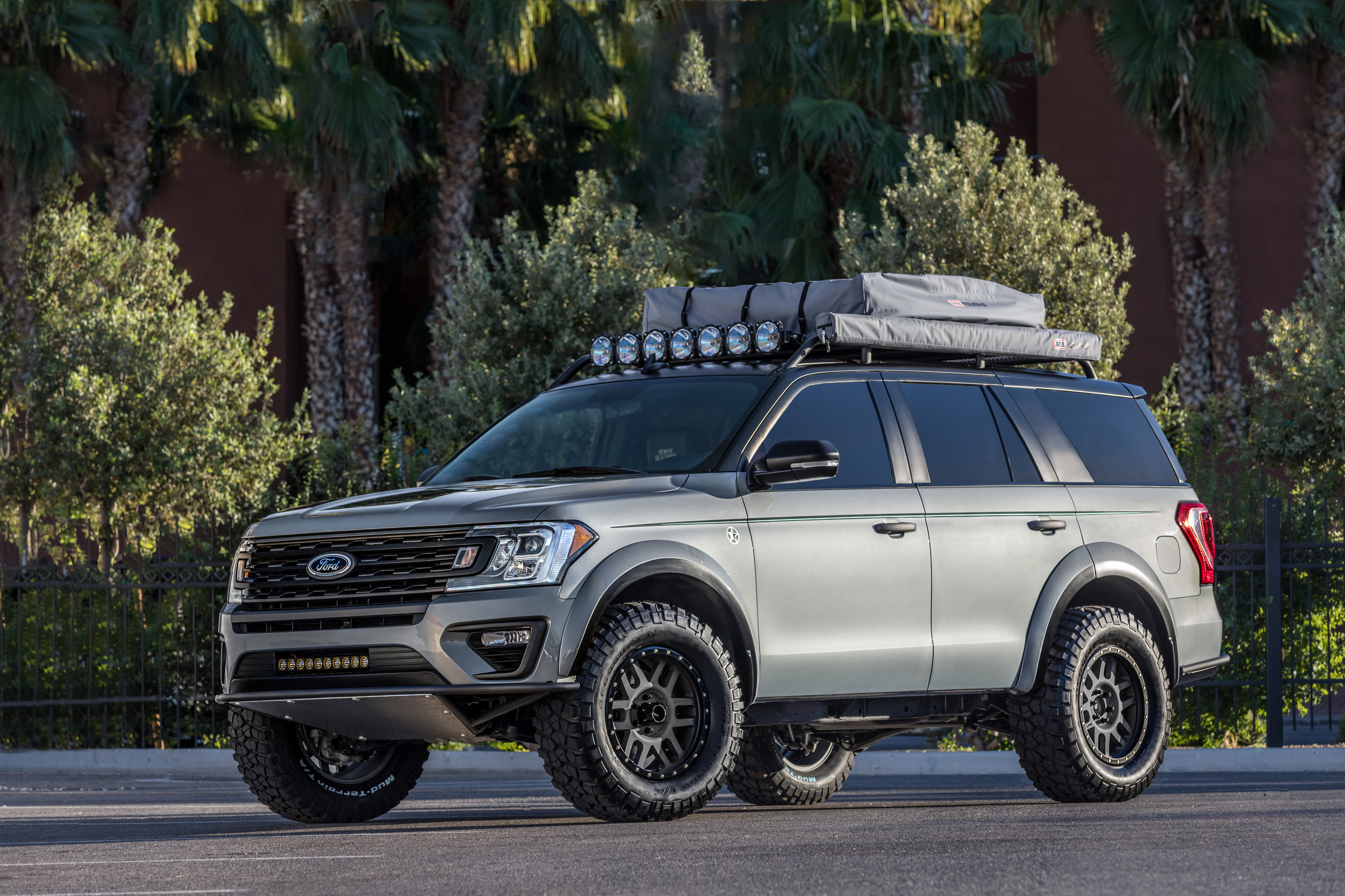 Ford Expedition mod specifications