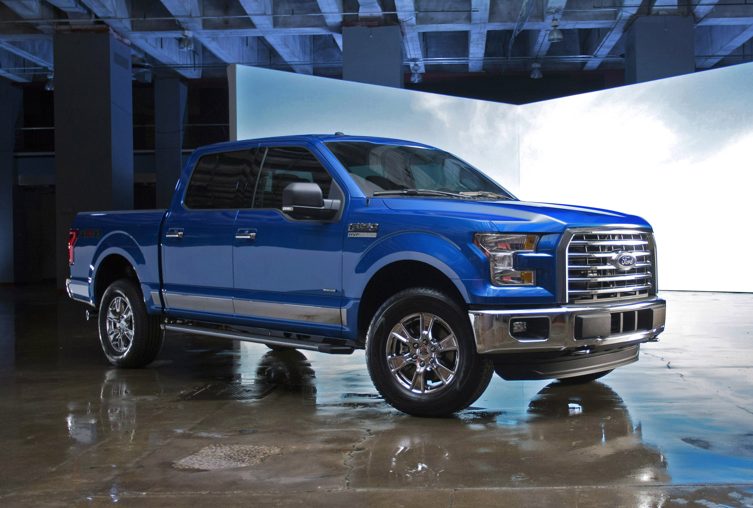 Ford F-150 Raptor reviews specifications