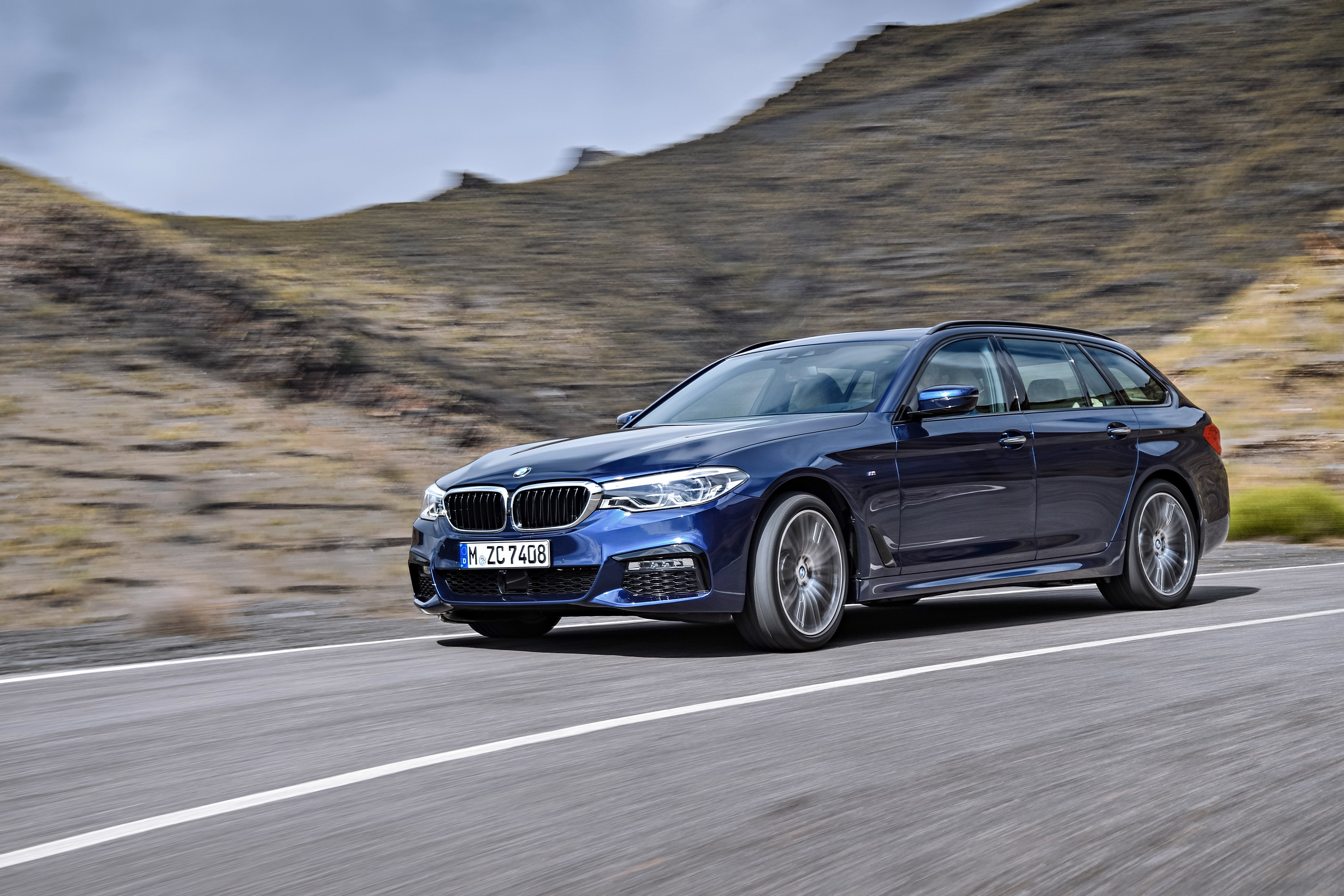 BMW 5 Series Touring (G31) 4k big