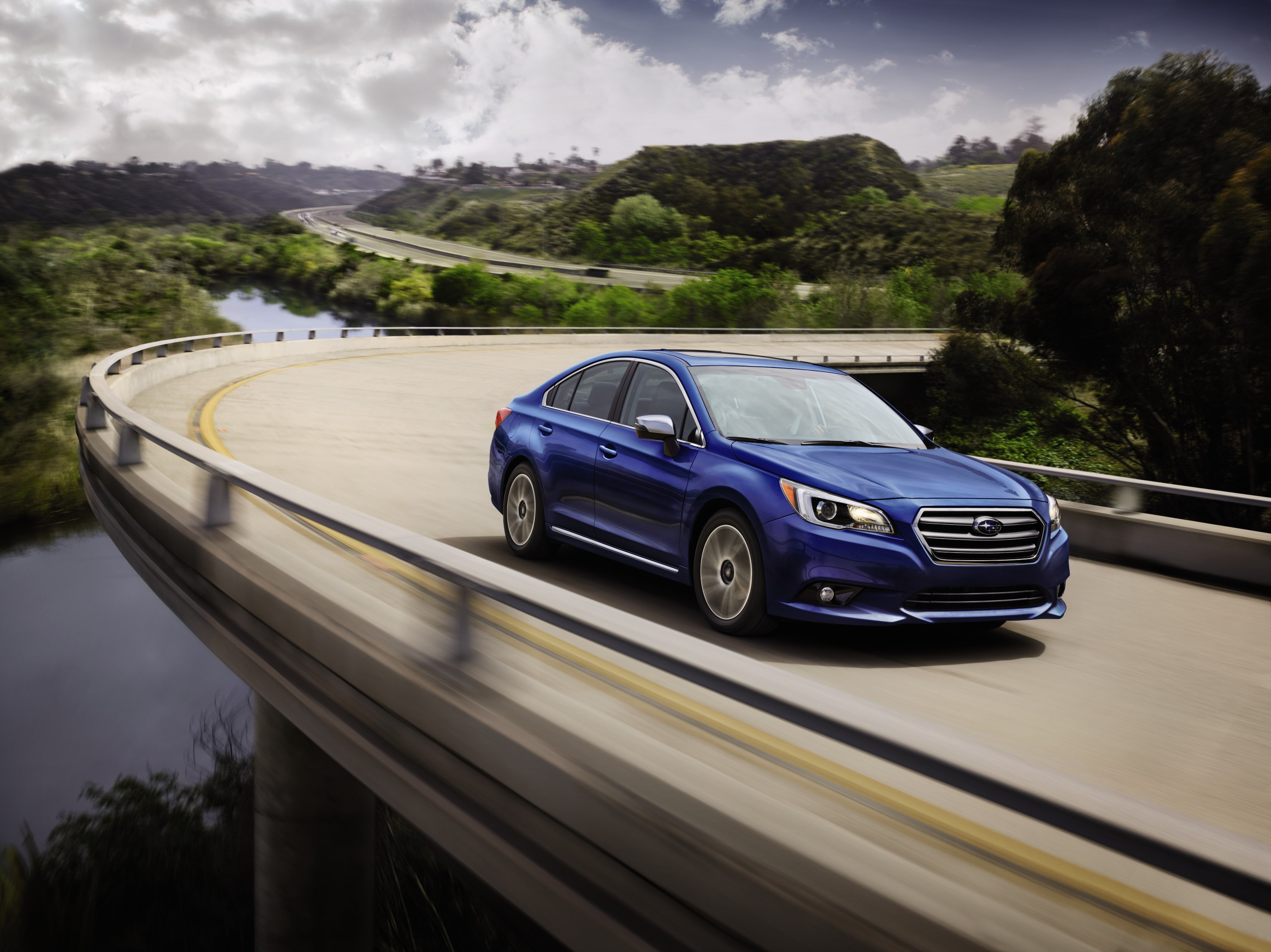 Subaru Legacy accessories specifications