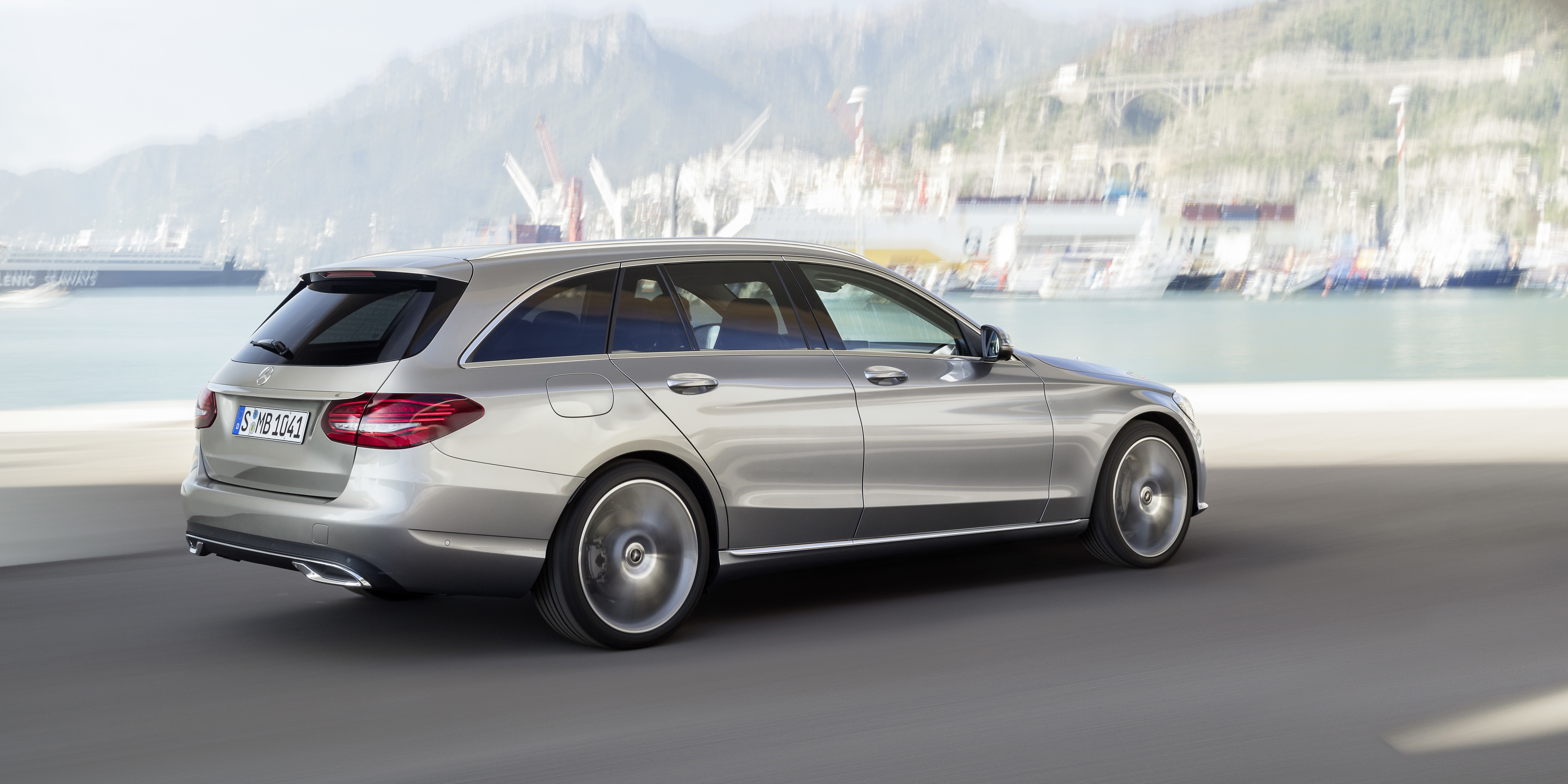 Mercedes C-Class (W205) accessories specifications