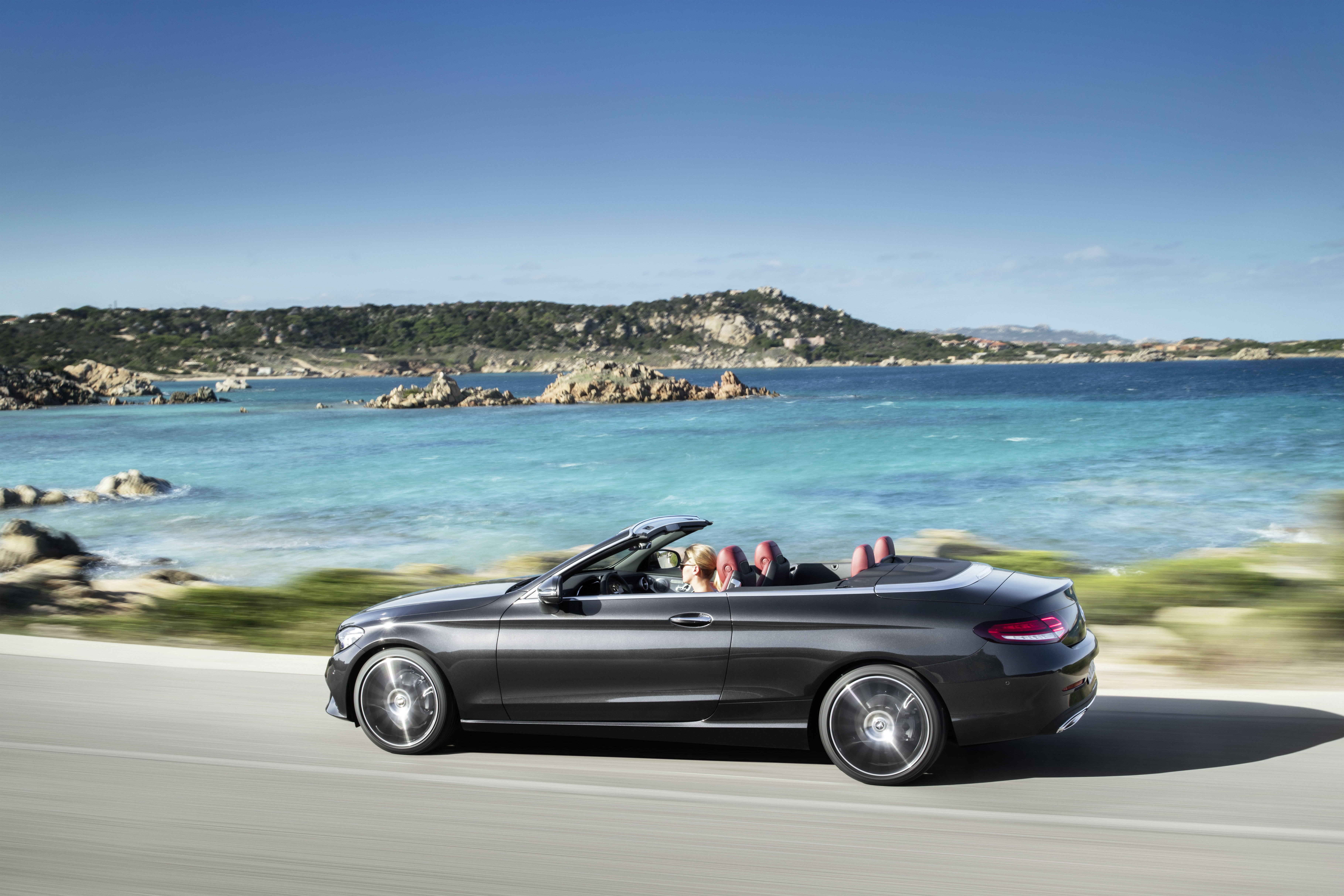 Mercedes C-Class Cabrio (A205) modern specifications