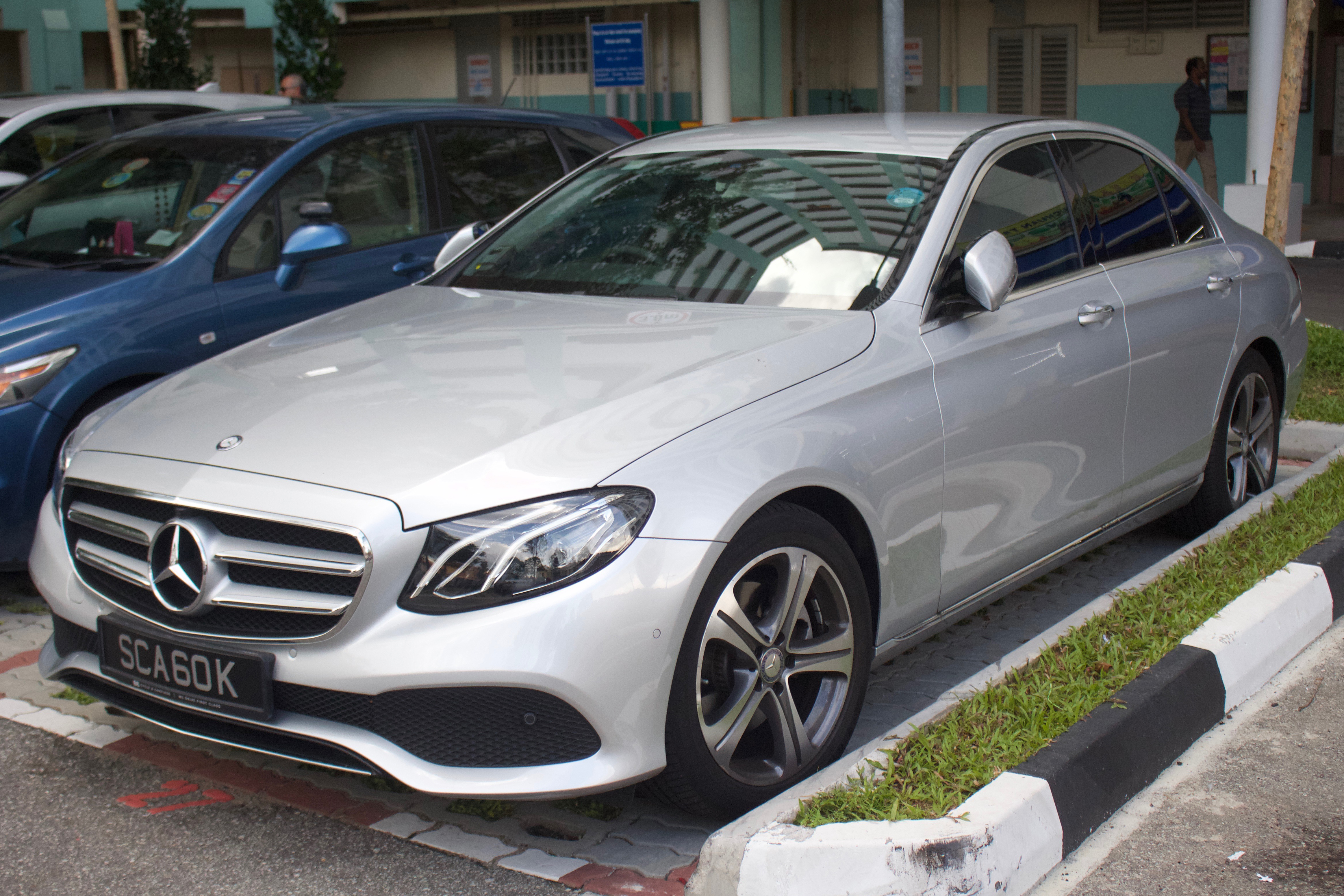 Mercedes E-Class Plug-in Hybrid (W213) modern photo