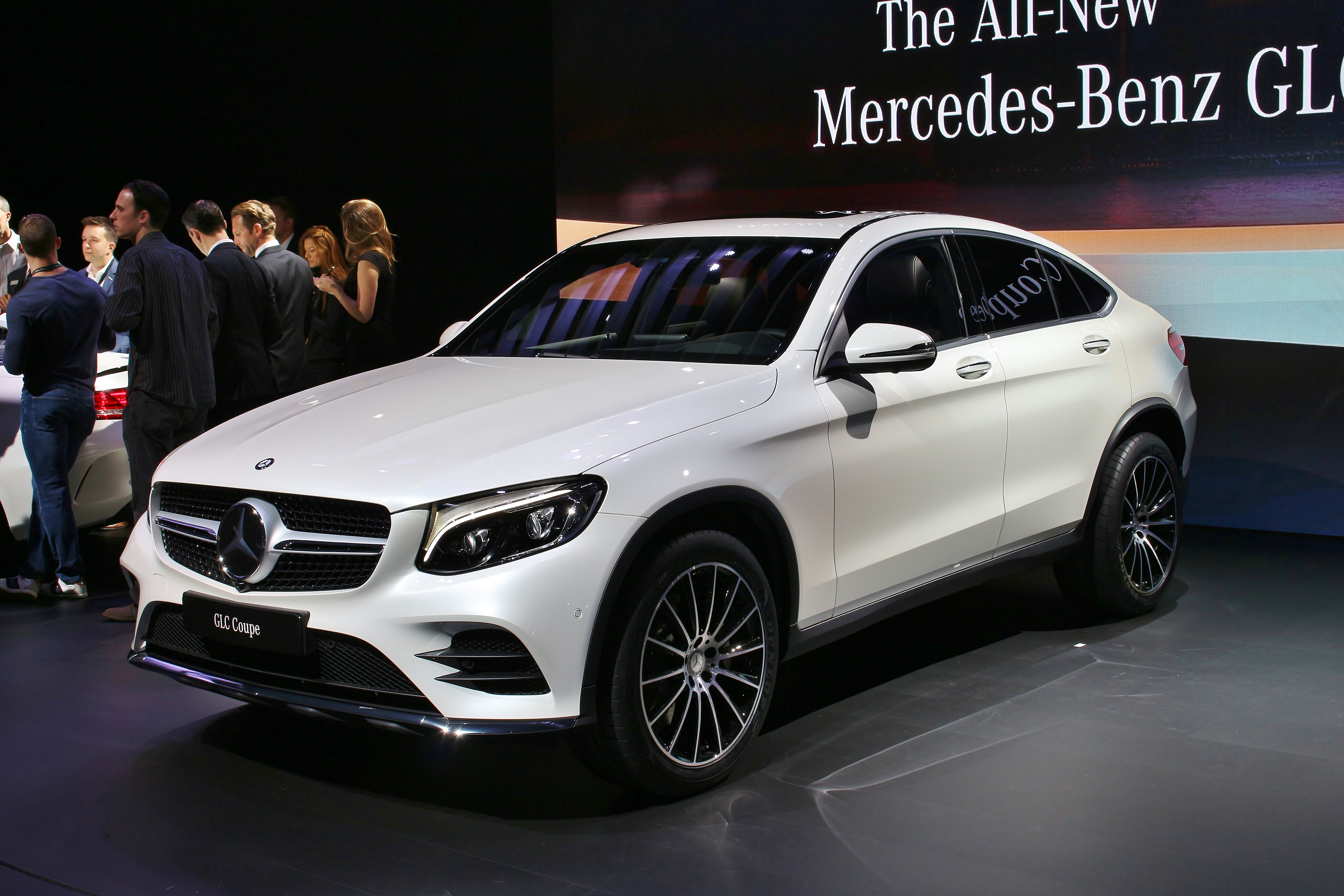 Mercedes GLC-Class (X253) interior specifications