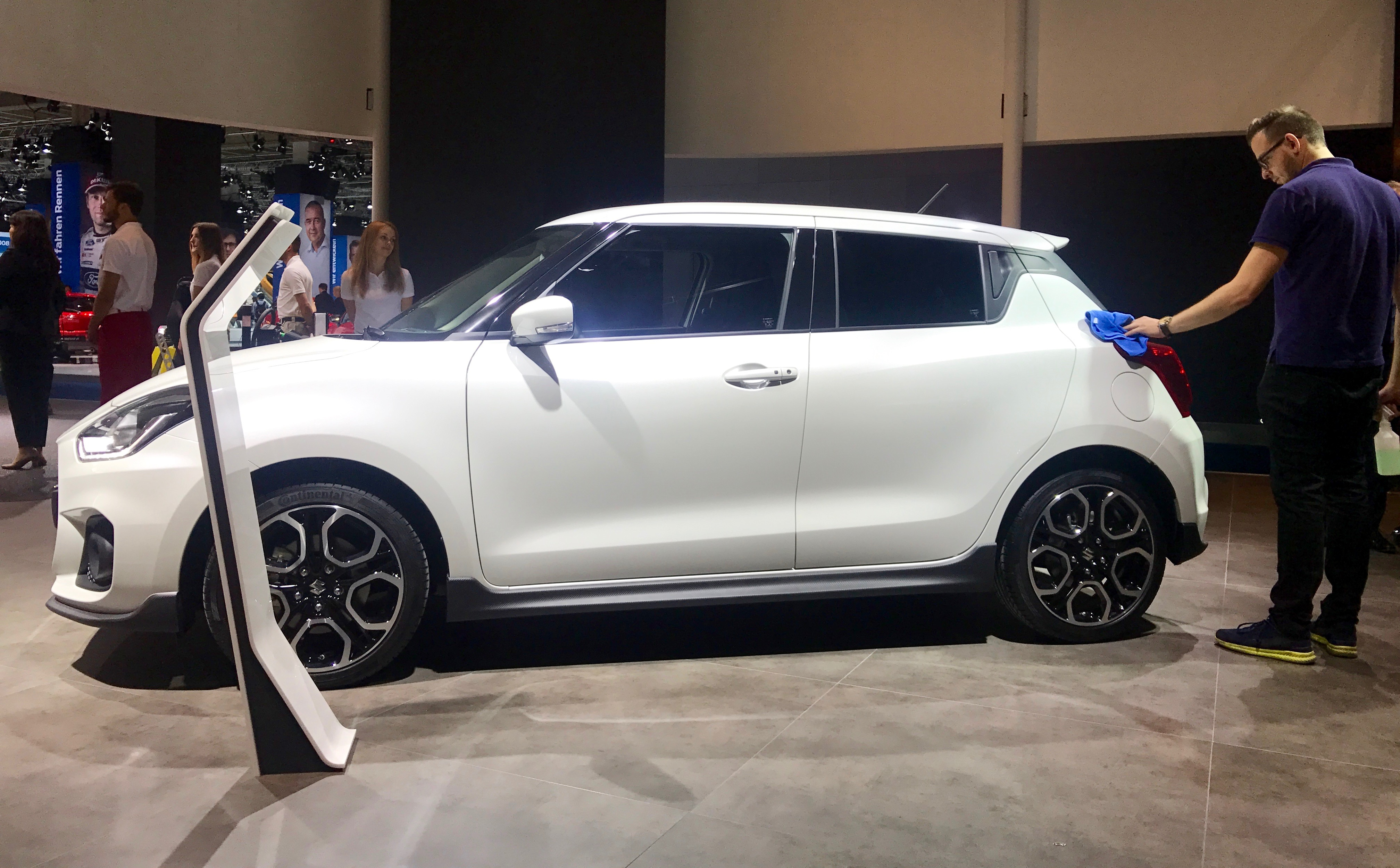Suzuki Swift 5-door exterior restyling