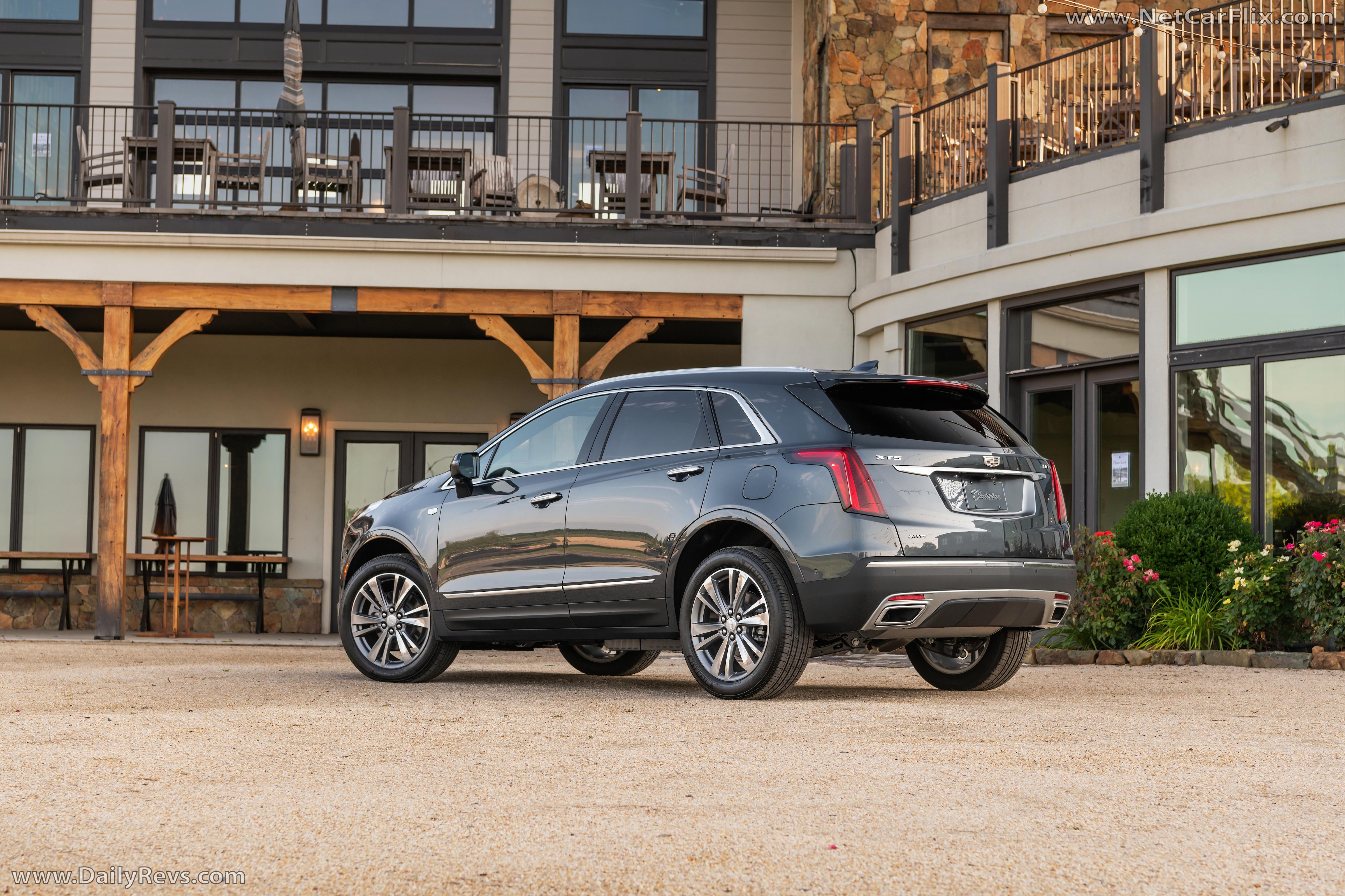 Cadillac XT5 reviews specifications