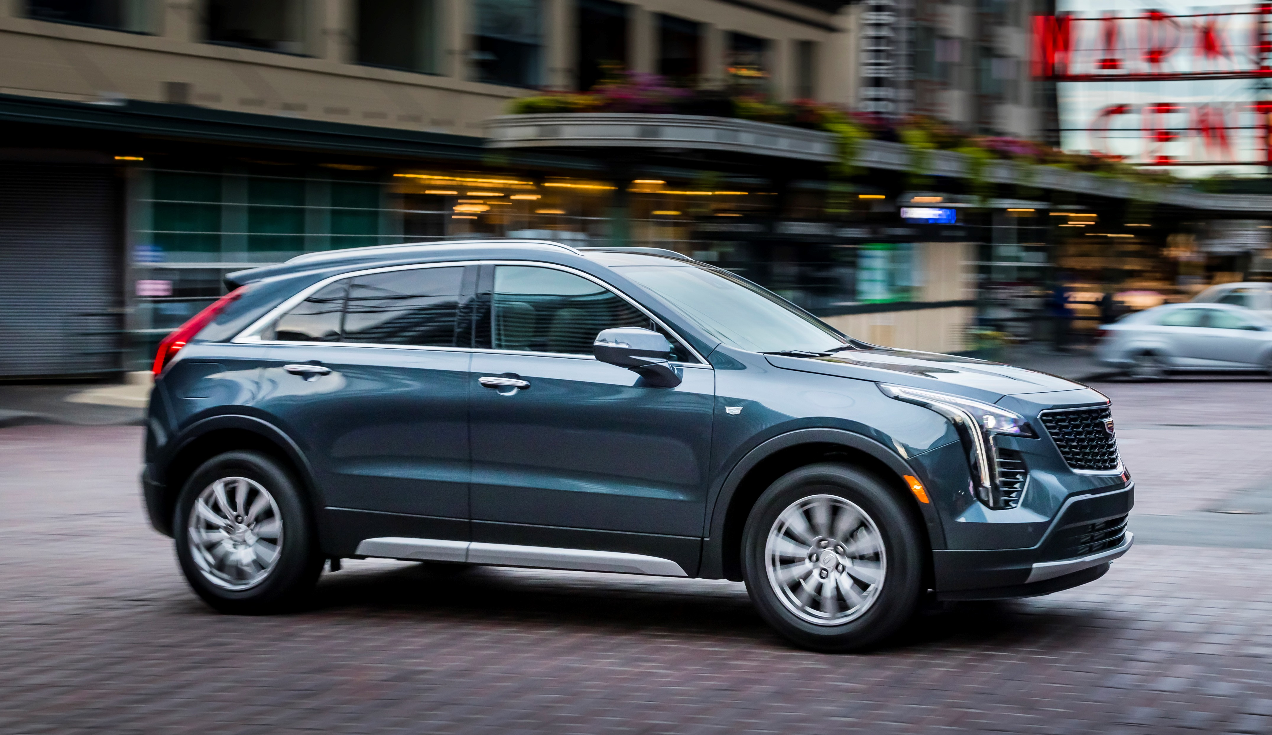 Cadillac XT5 reviews restyling