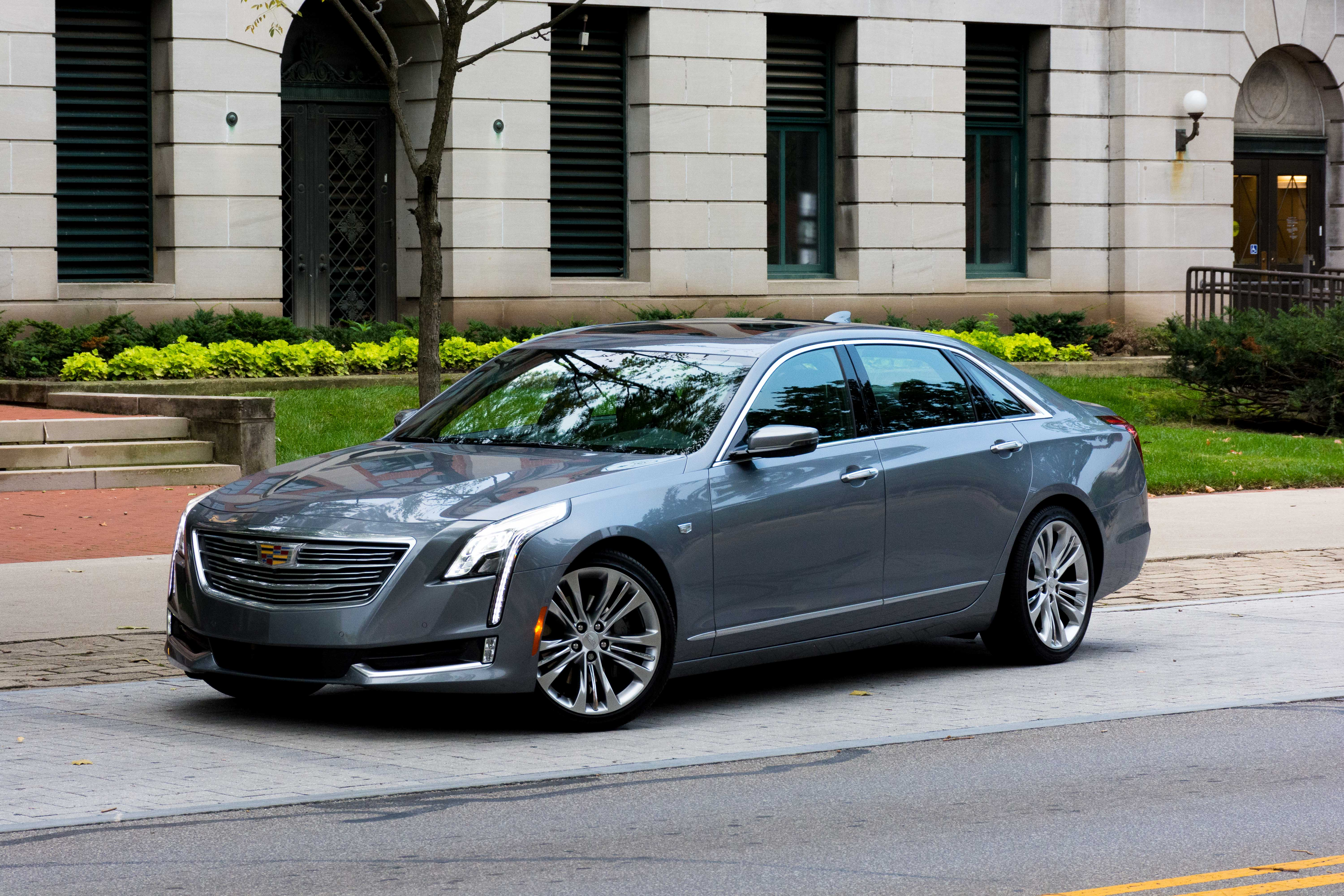 Cadillac CT6 accessories 2015