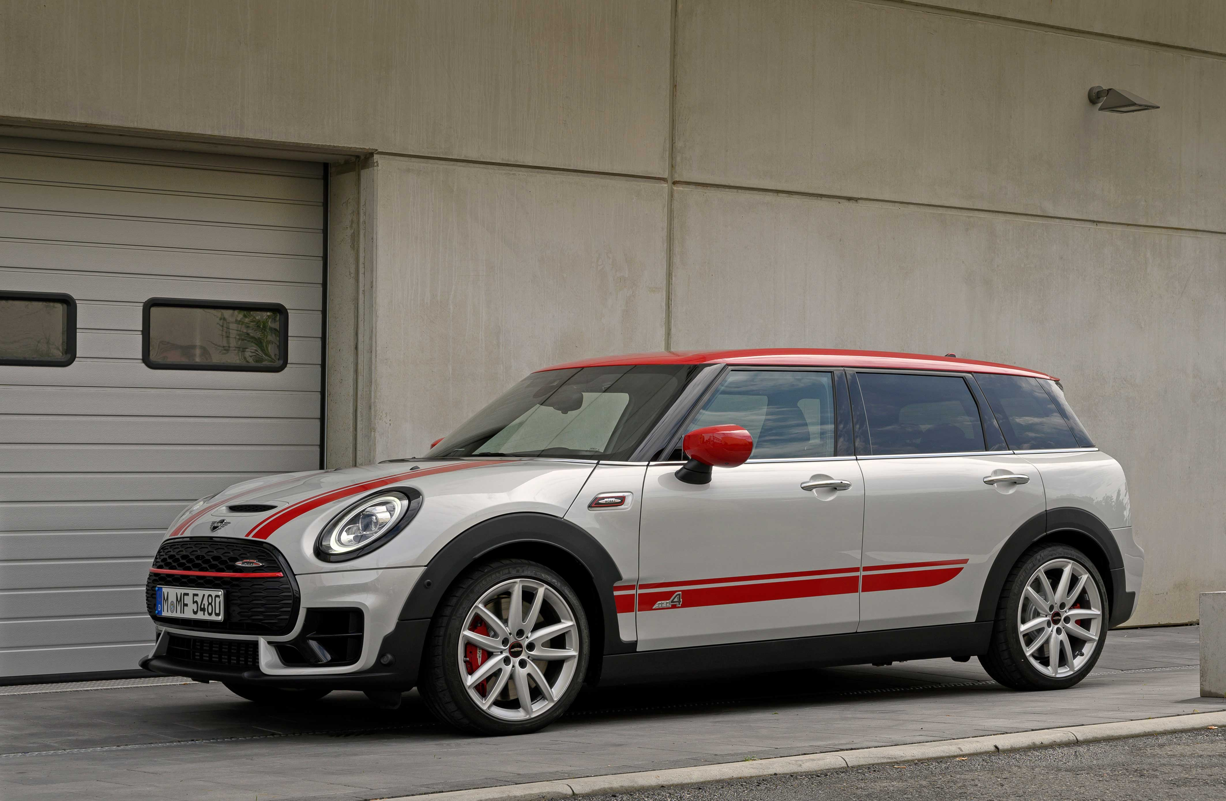 MINI John Cooper Works 4k restyling