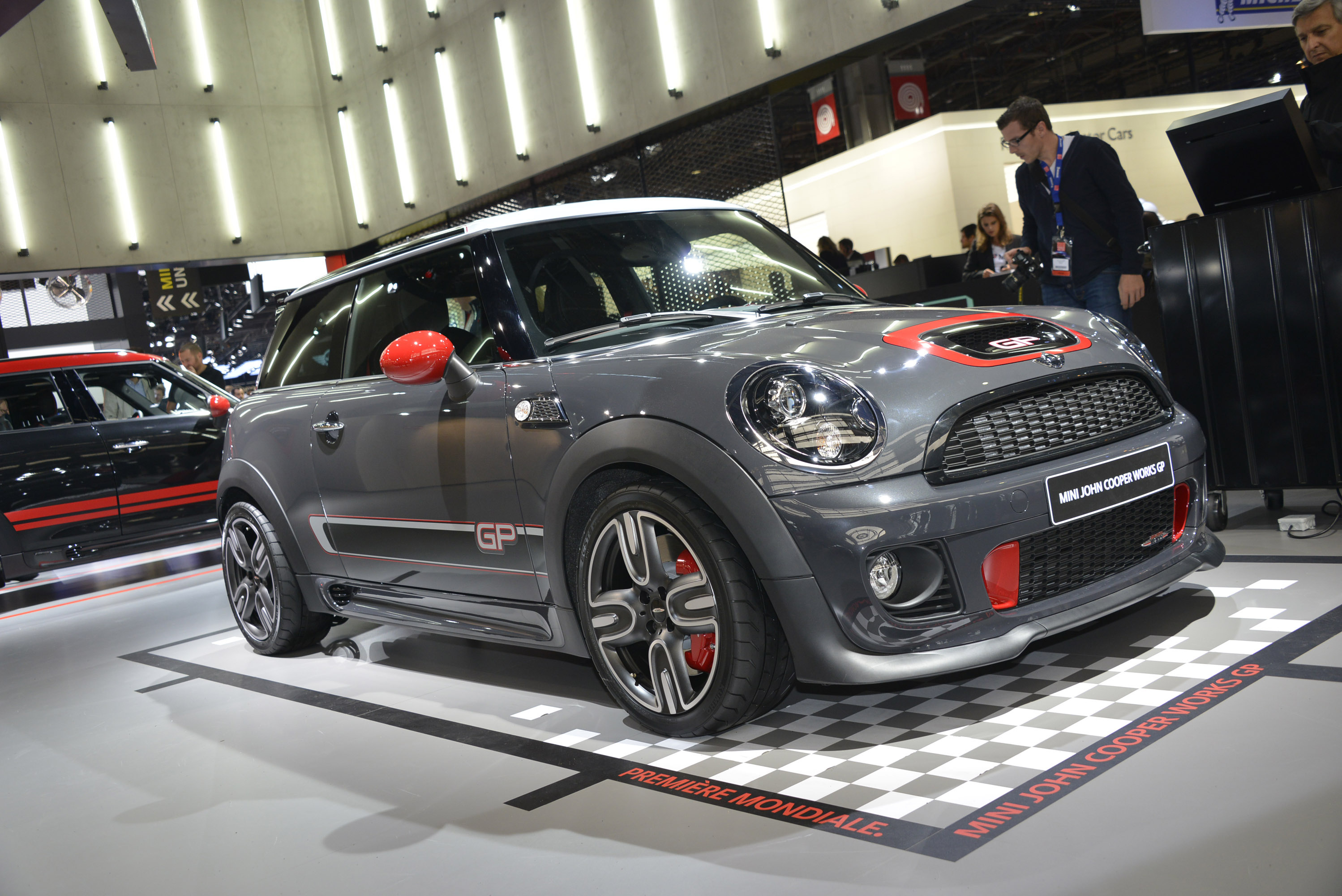 MINI John Cooper Works Countryman accessories photo
