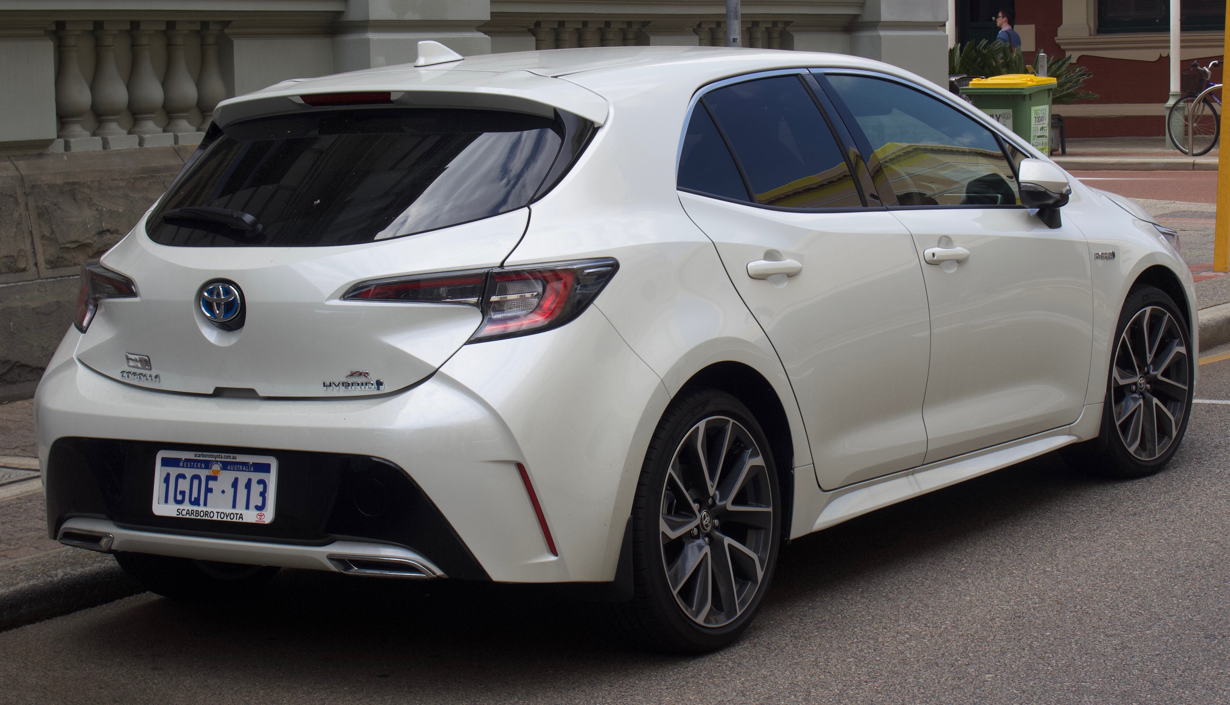 Toyota Corolla Hatchback hd big
