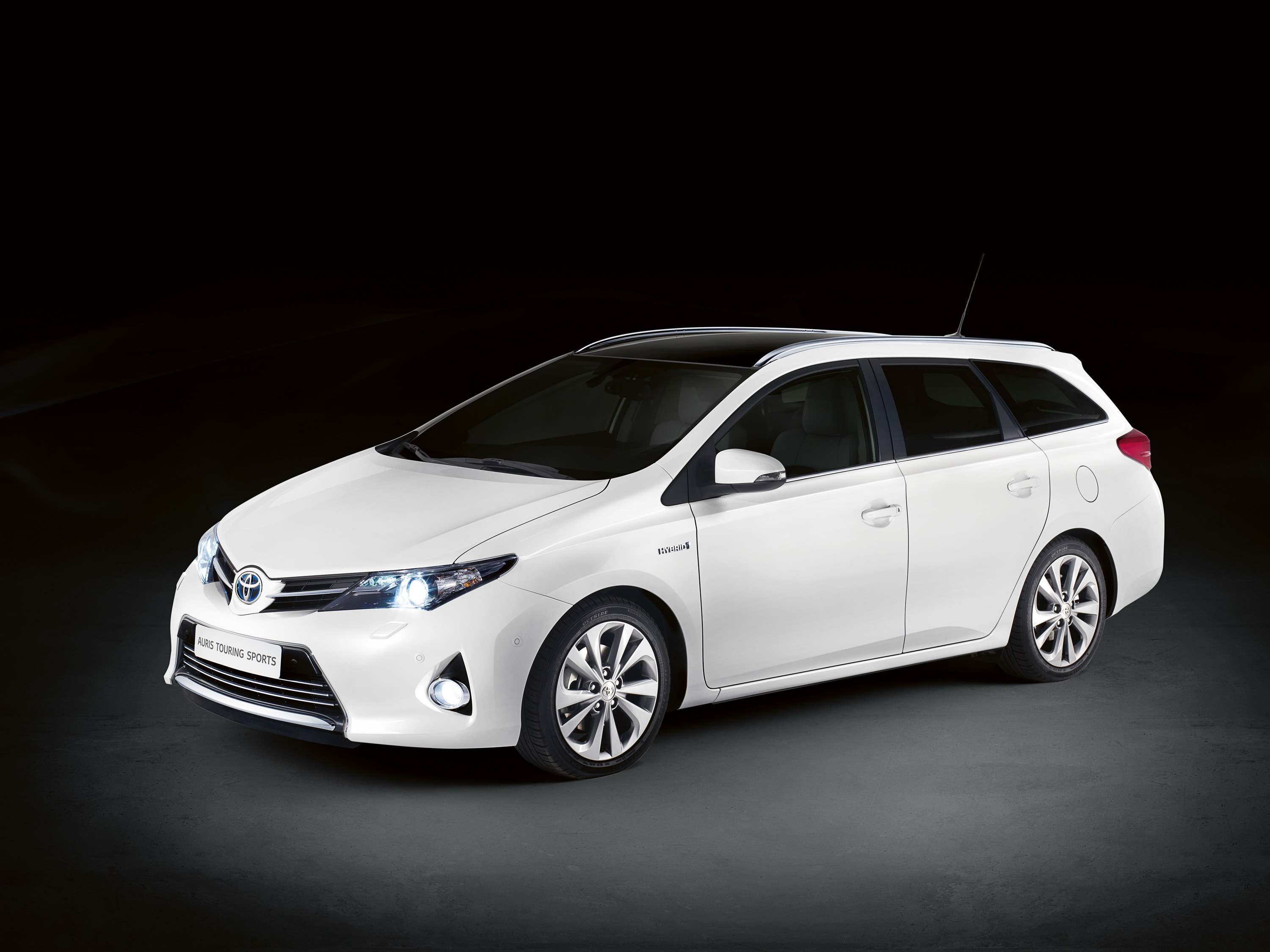 Toyota Corolla Touring Sports modern big