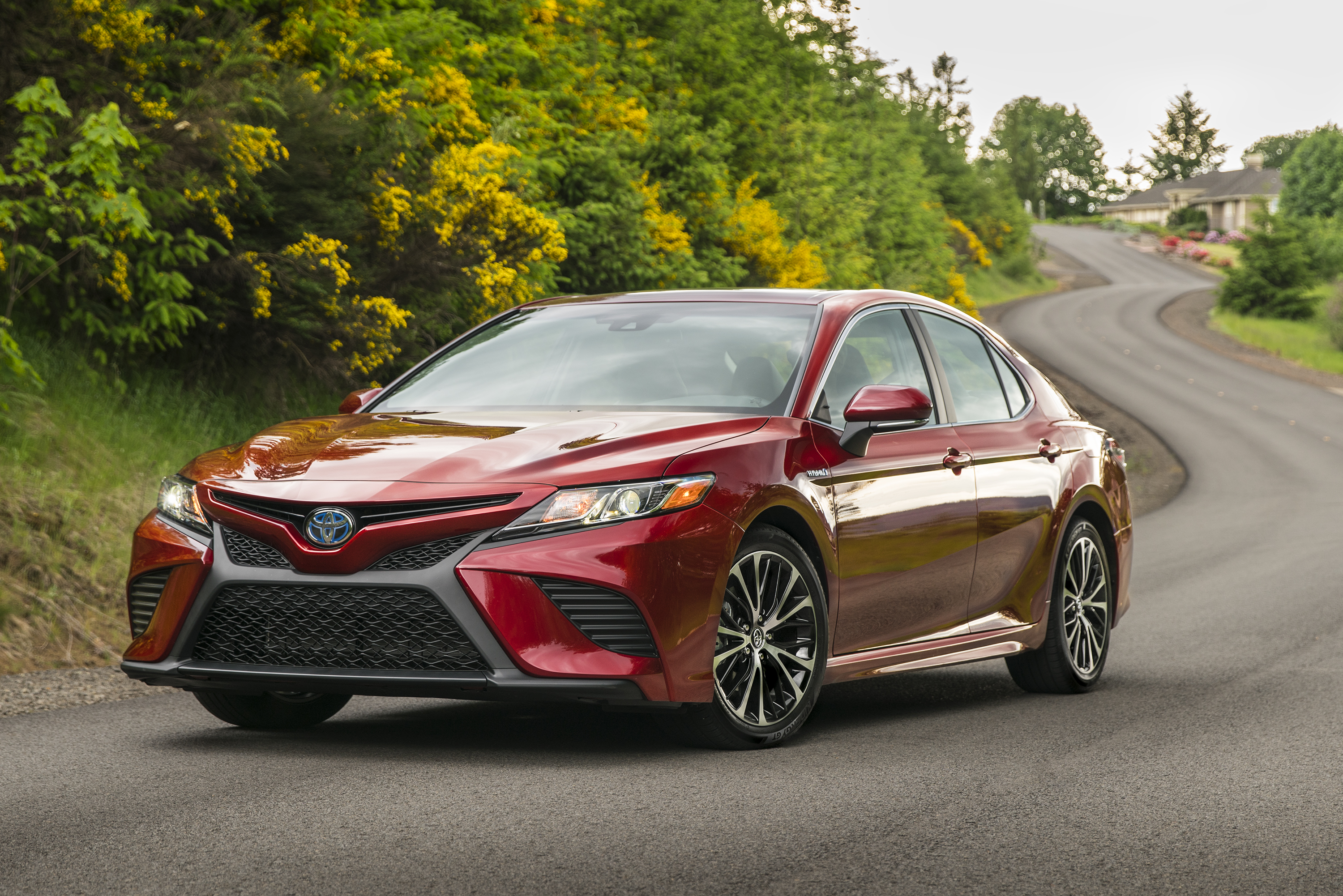 Toyota Camry reviews specifications