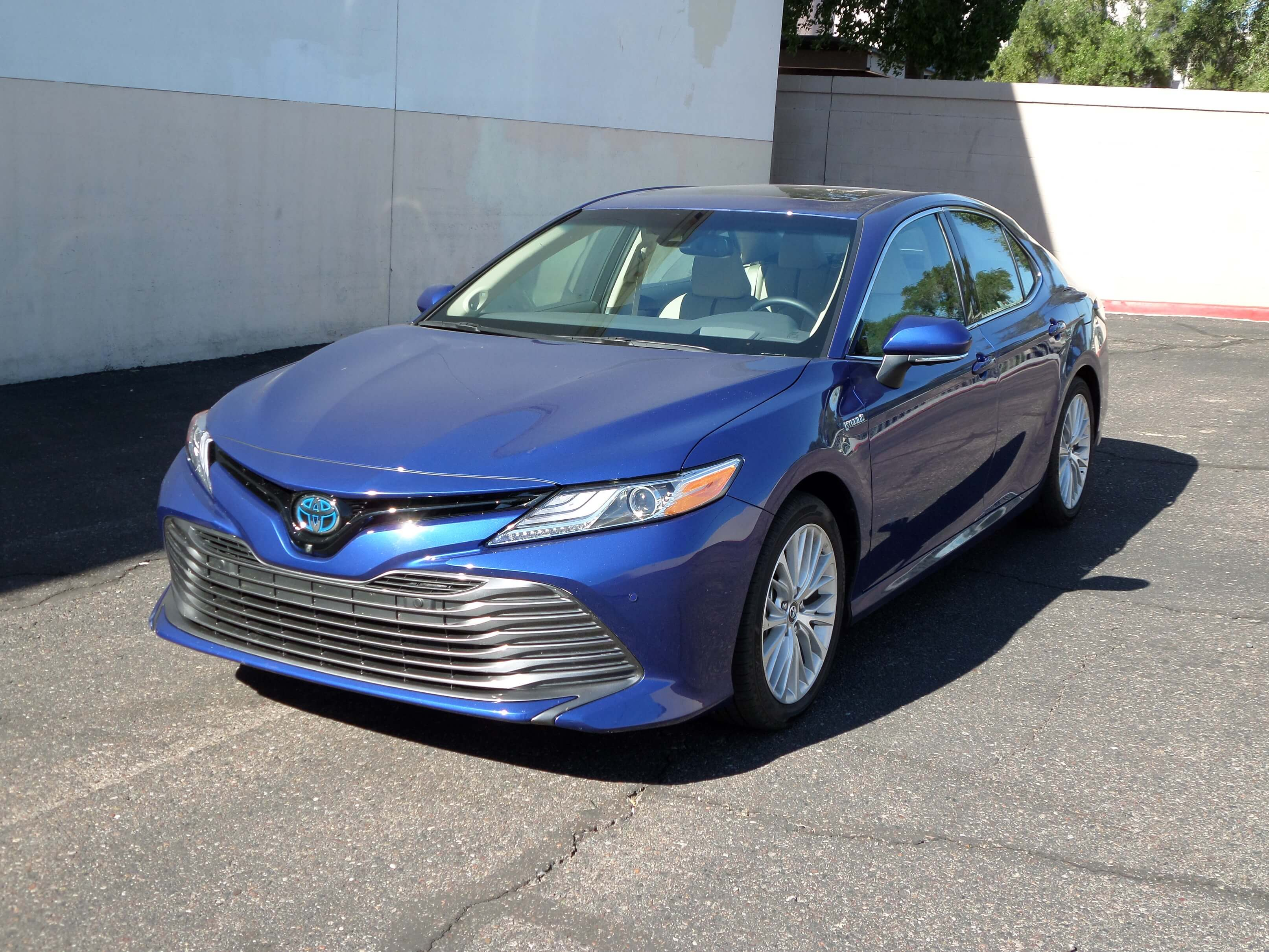 Toyota Camry Hybrid accessories model
