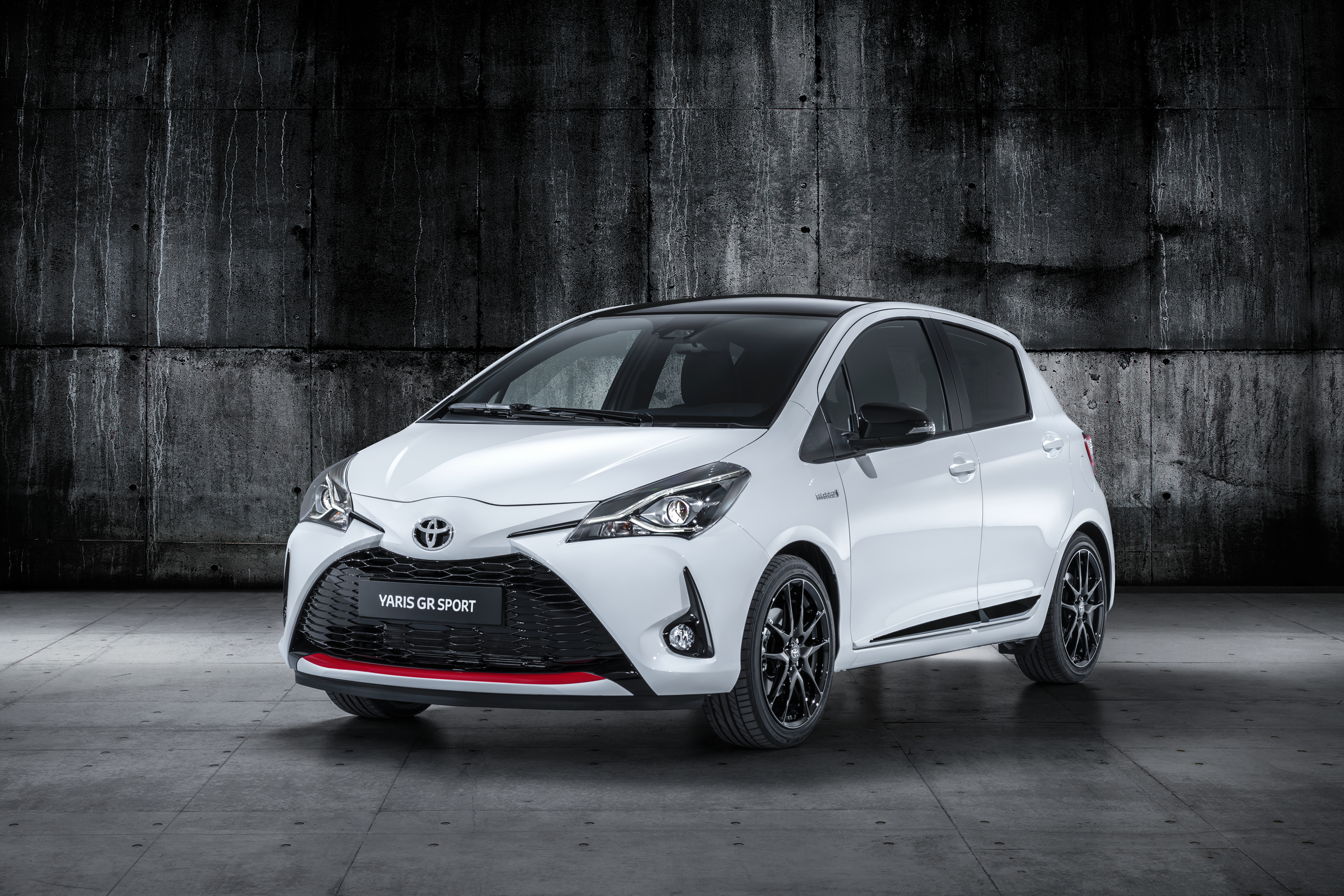Toyota C-HR hd specifications