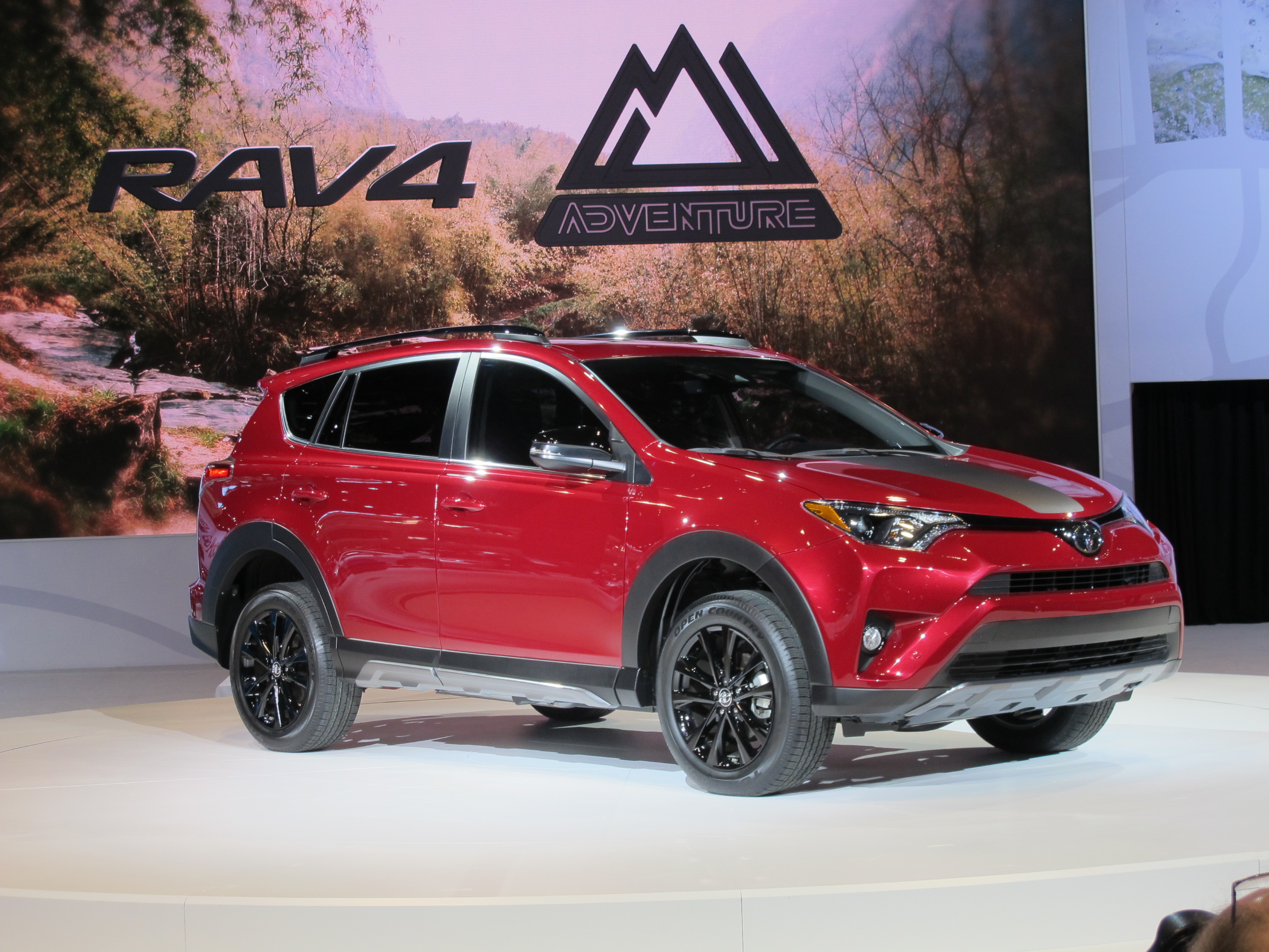 Toyota RAV4 reviews restyling