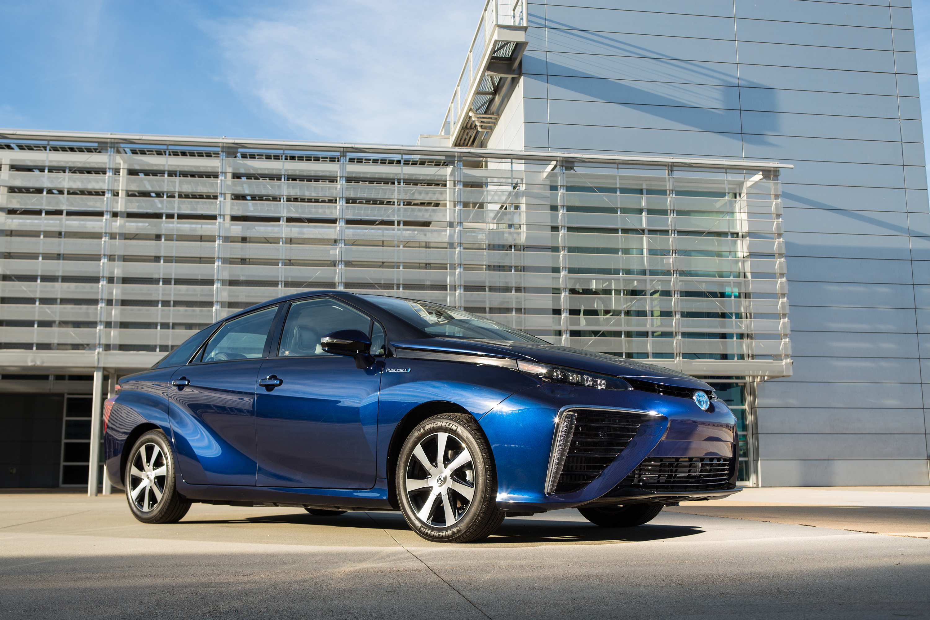 Toyota Mirai reviews restyling