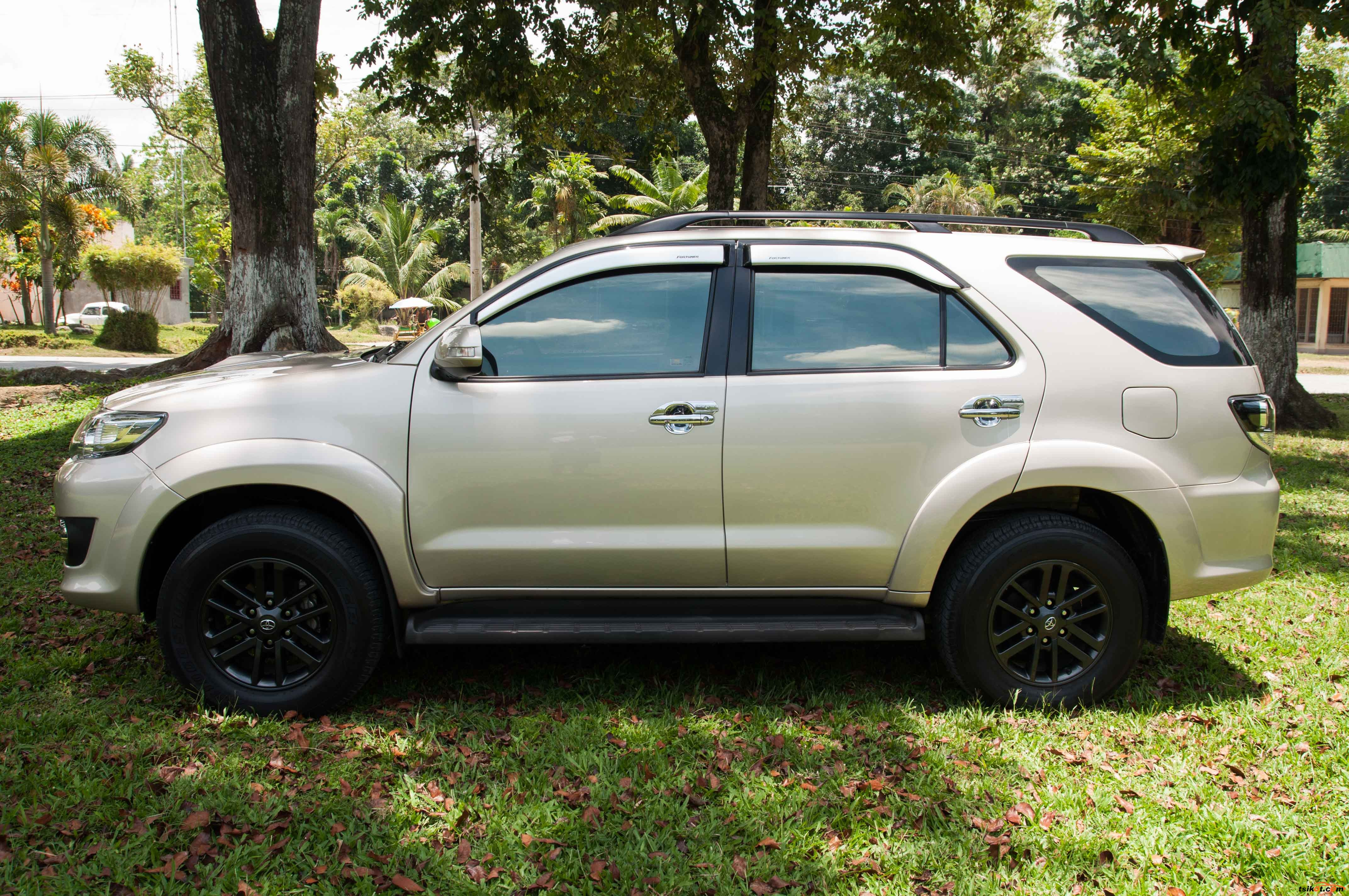 Toyota Fortuner reviews 2015