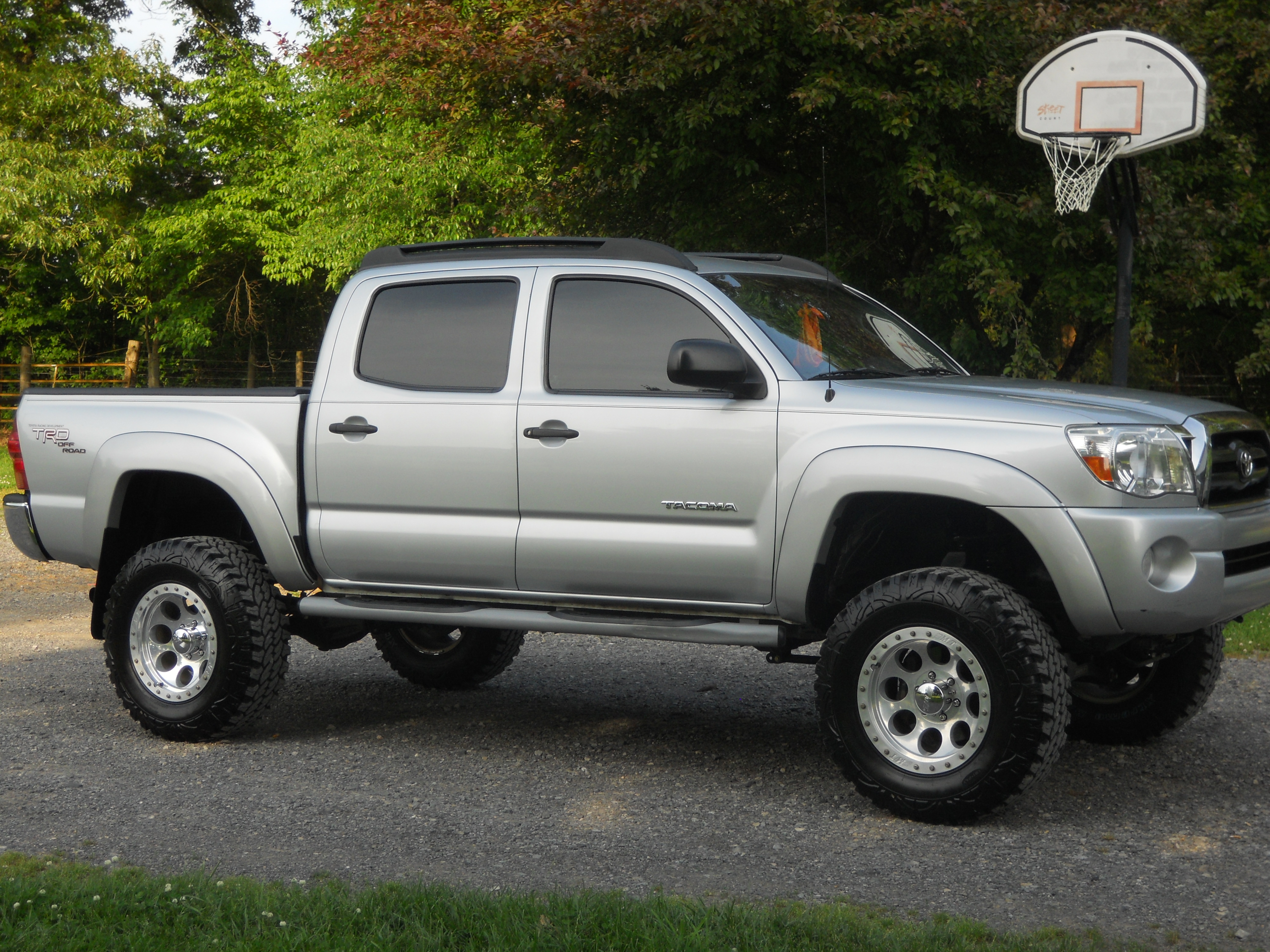 Toyota Tacoma Double Cab exterior specifications
