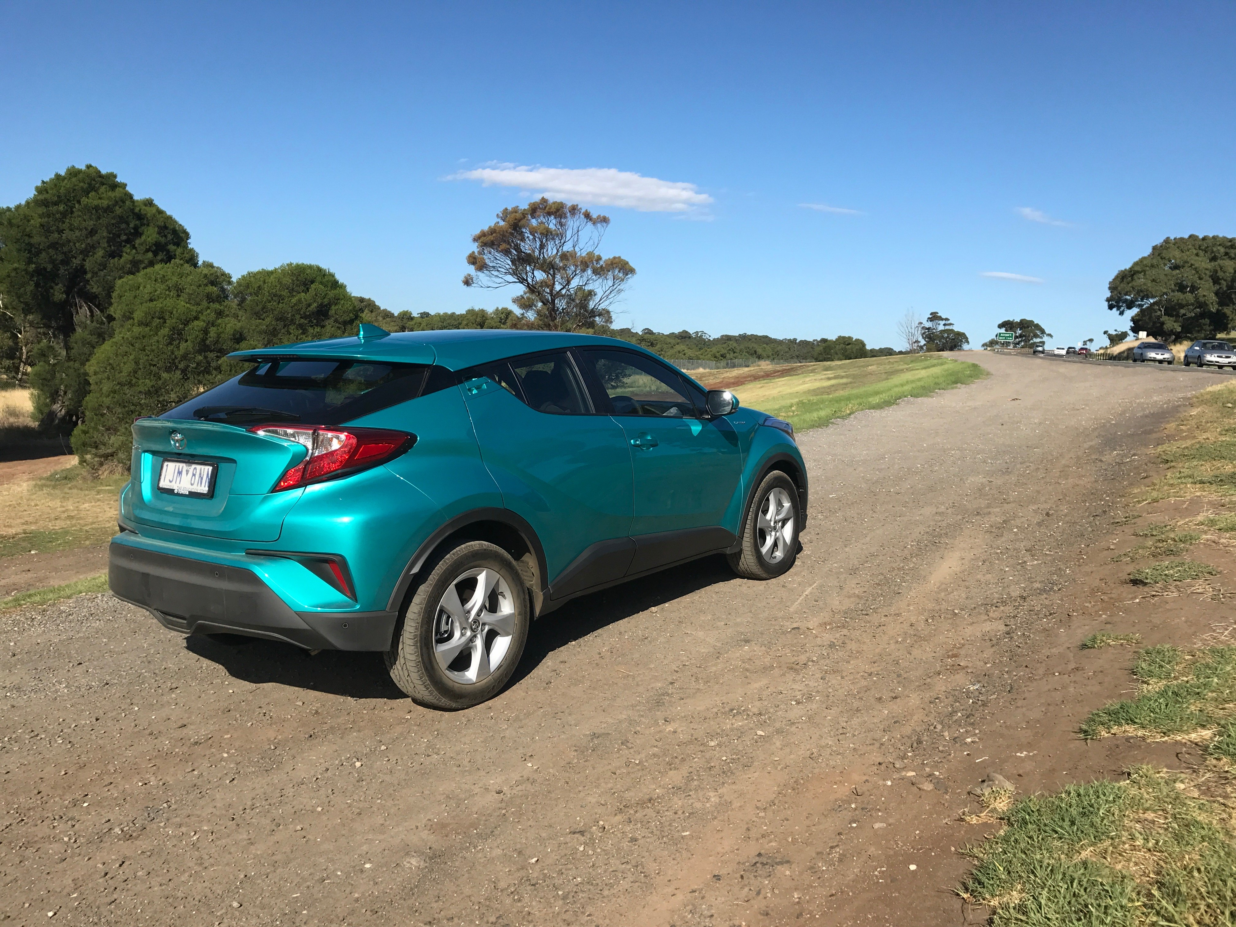 Toyota C-HR suv specifications
