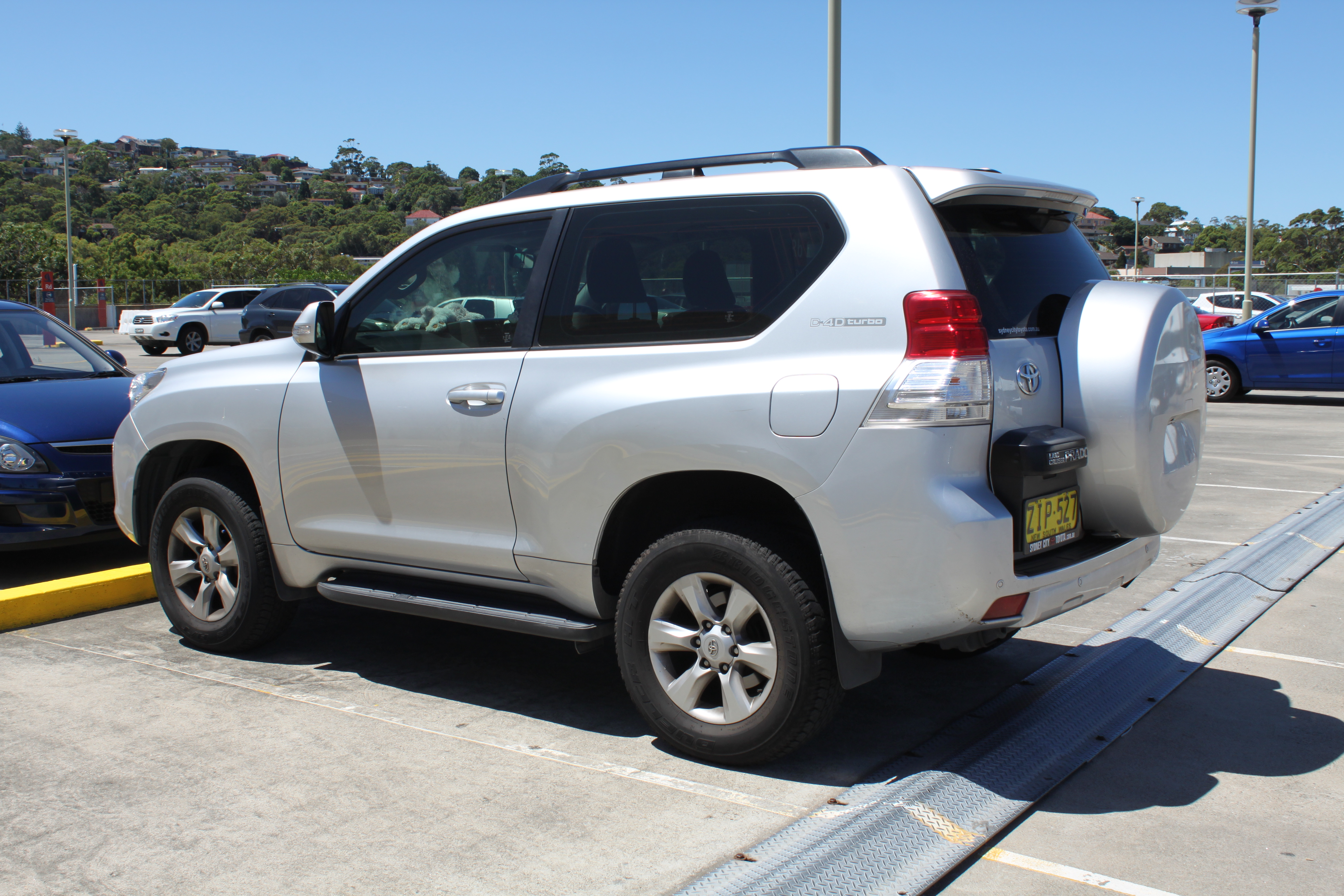Toyota Land Cruiser Prado 150 3-door best photo
