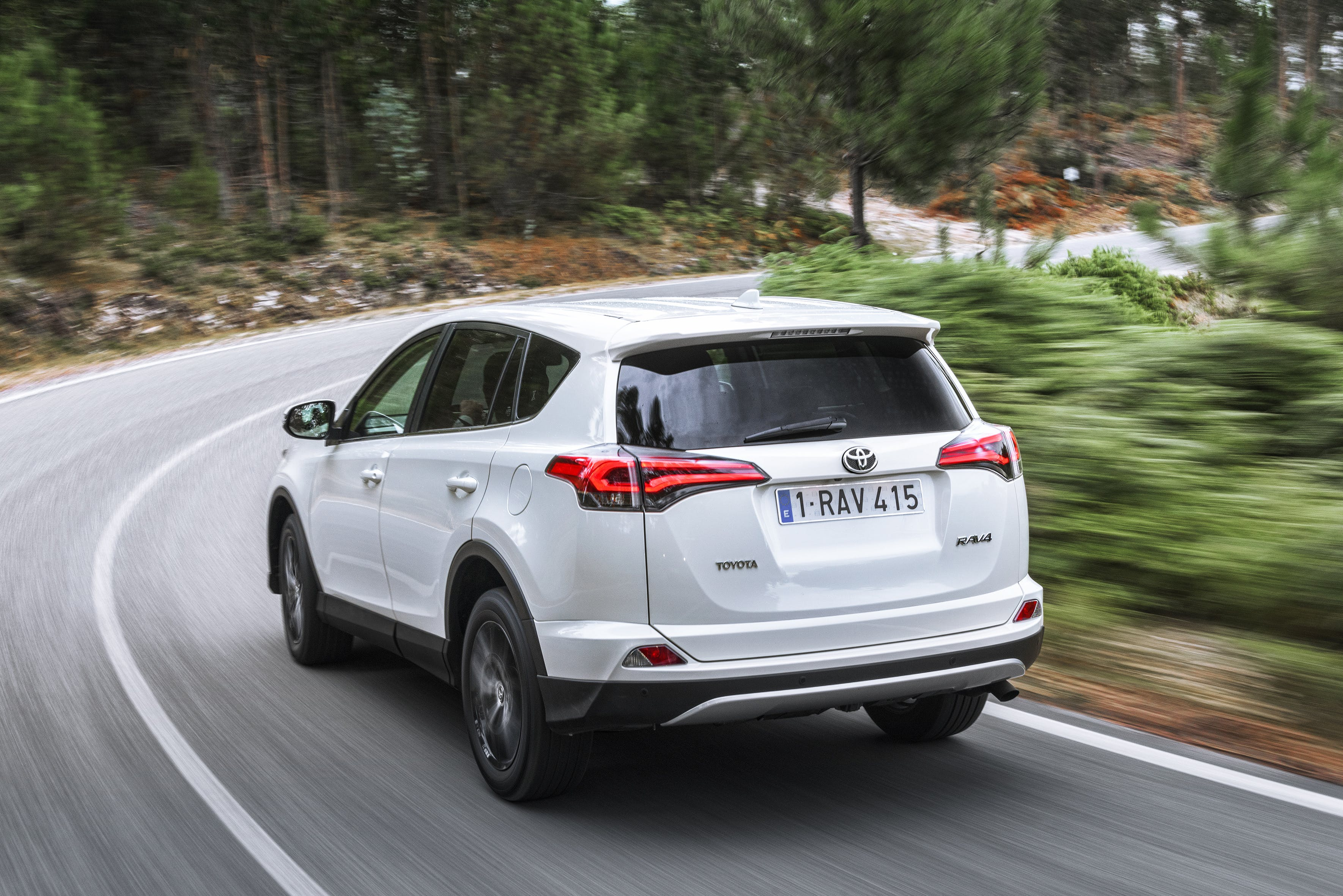 Toyota RAV4 Hybrid reviews 2018