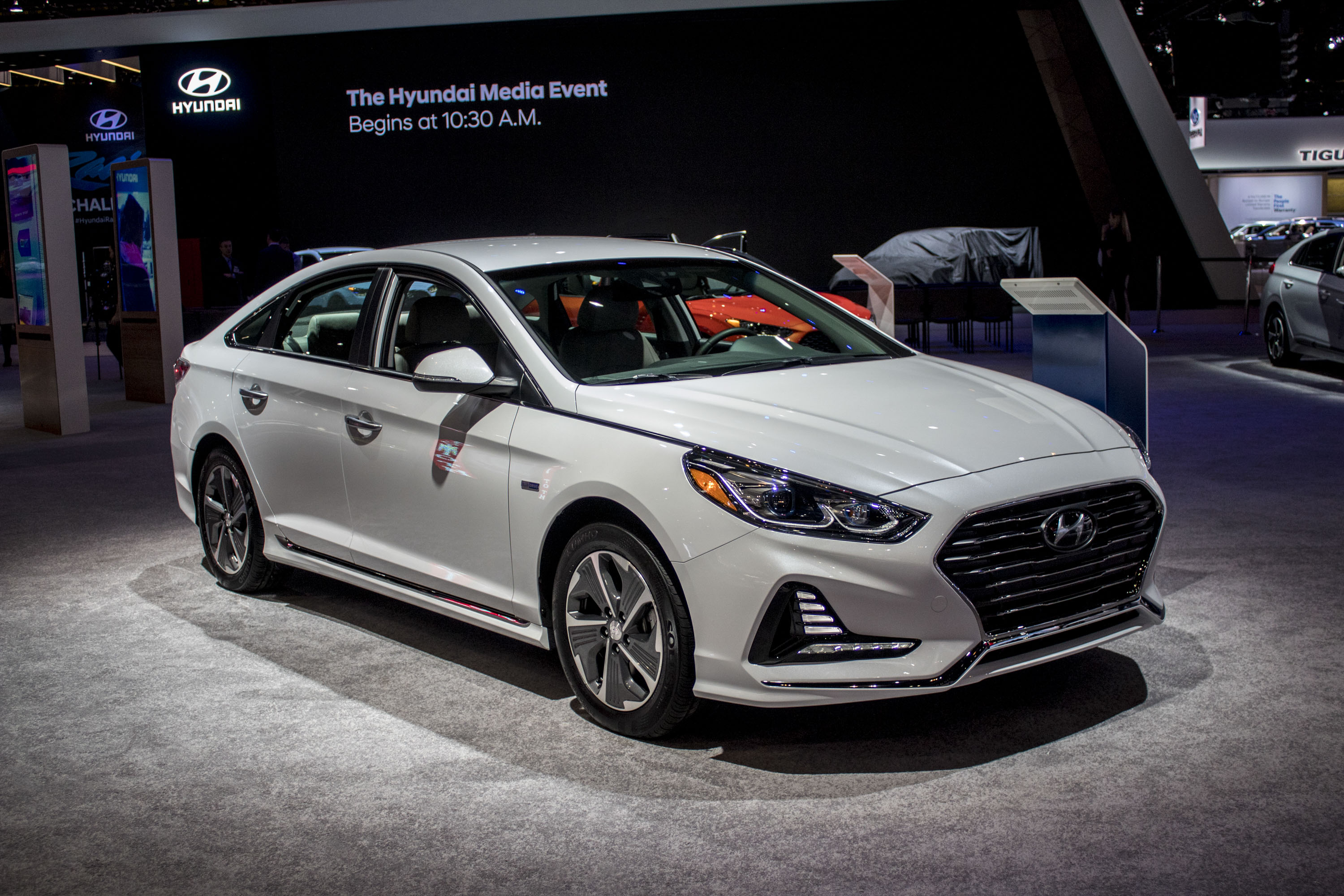 Hyundai Sonata Hybrid hd model
