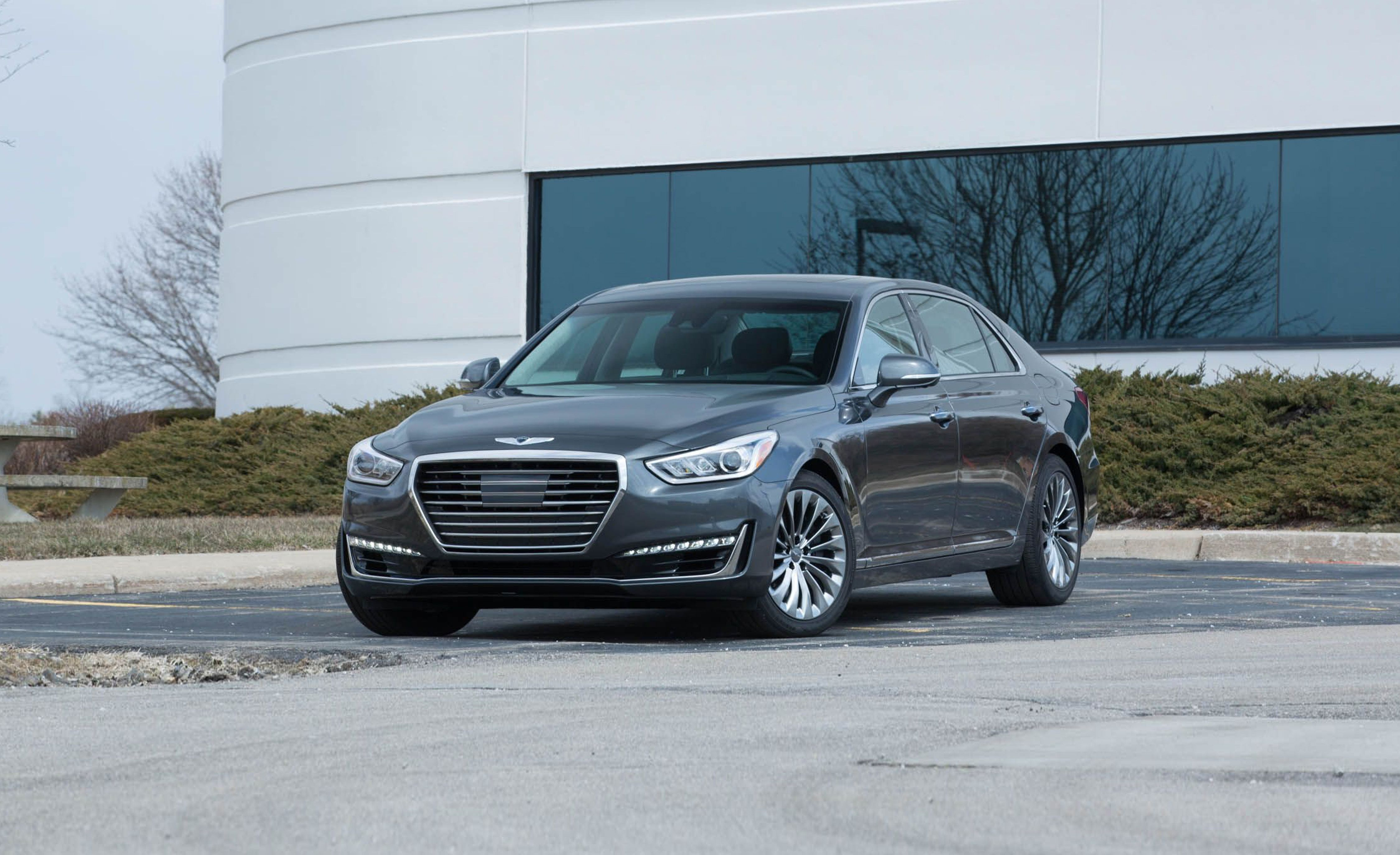 Hyundai Genesis G90 accessories model