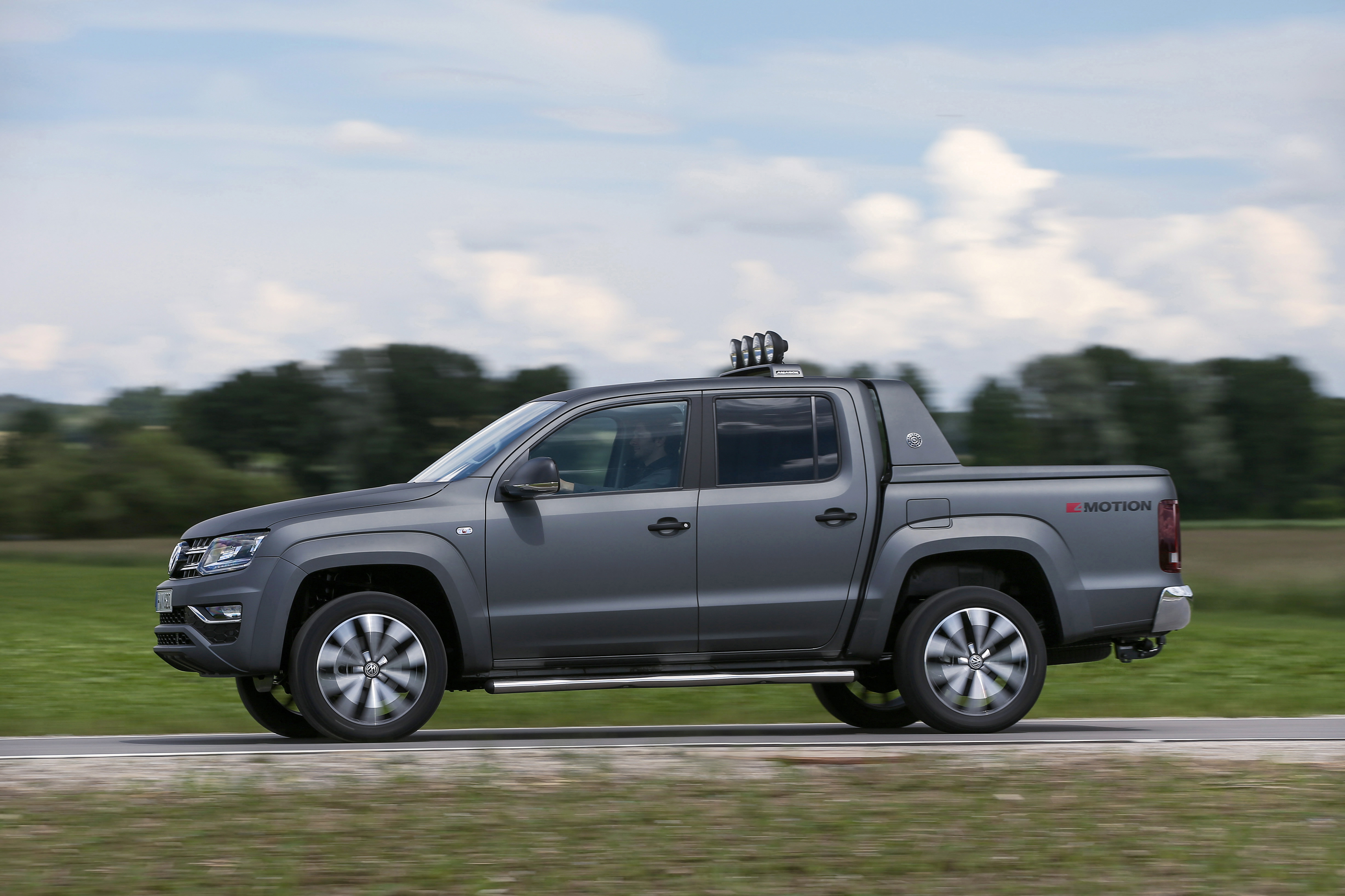 Volkswagen Amarok DoubleCab modern specifications