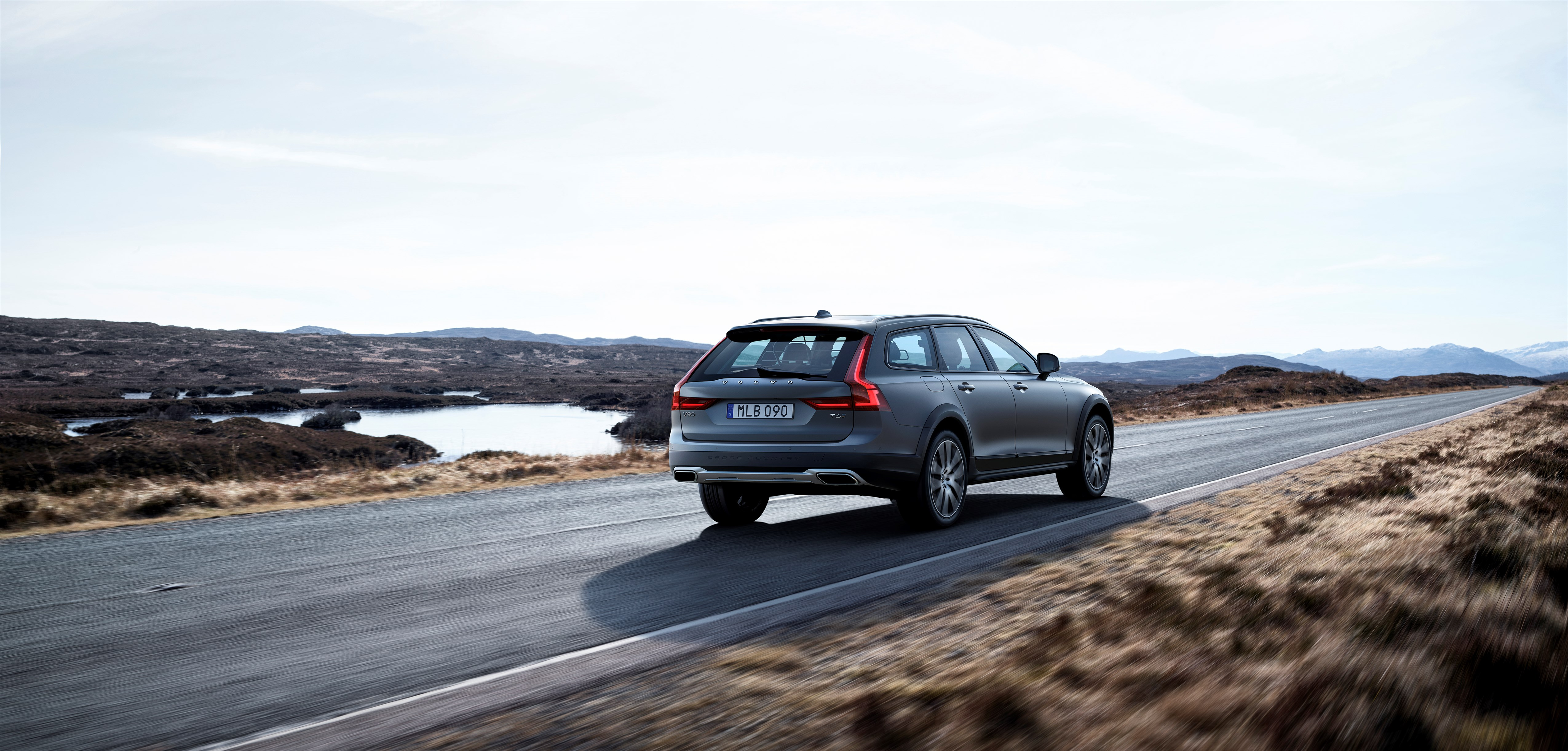 Volvo V90 Cross Country best big