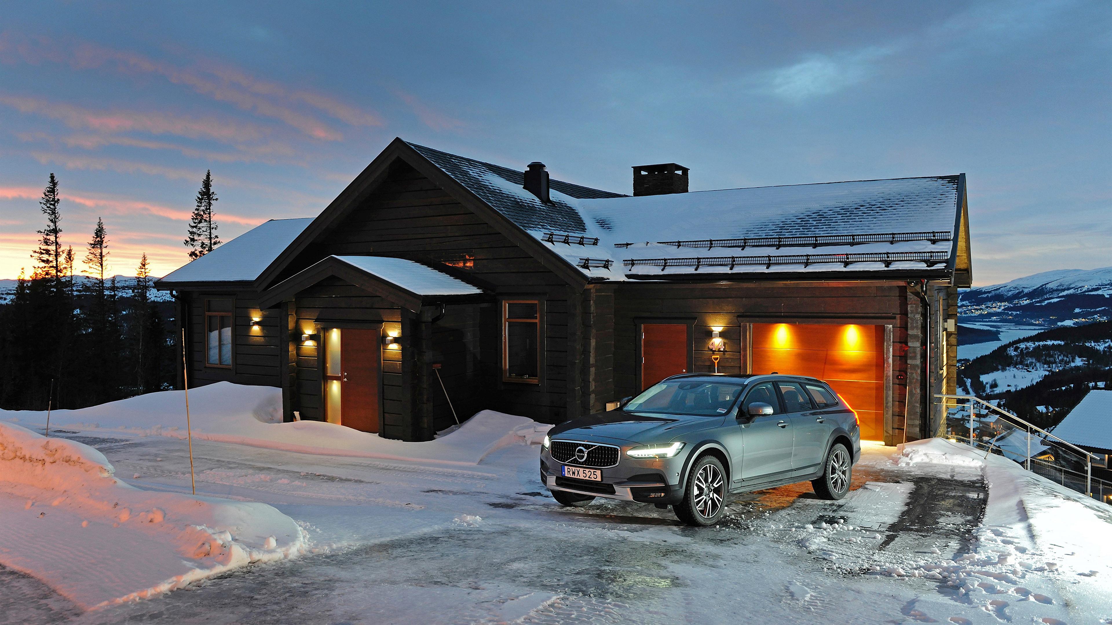 Volvo V90 Cross Country mod restyling
