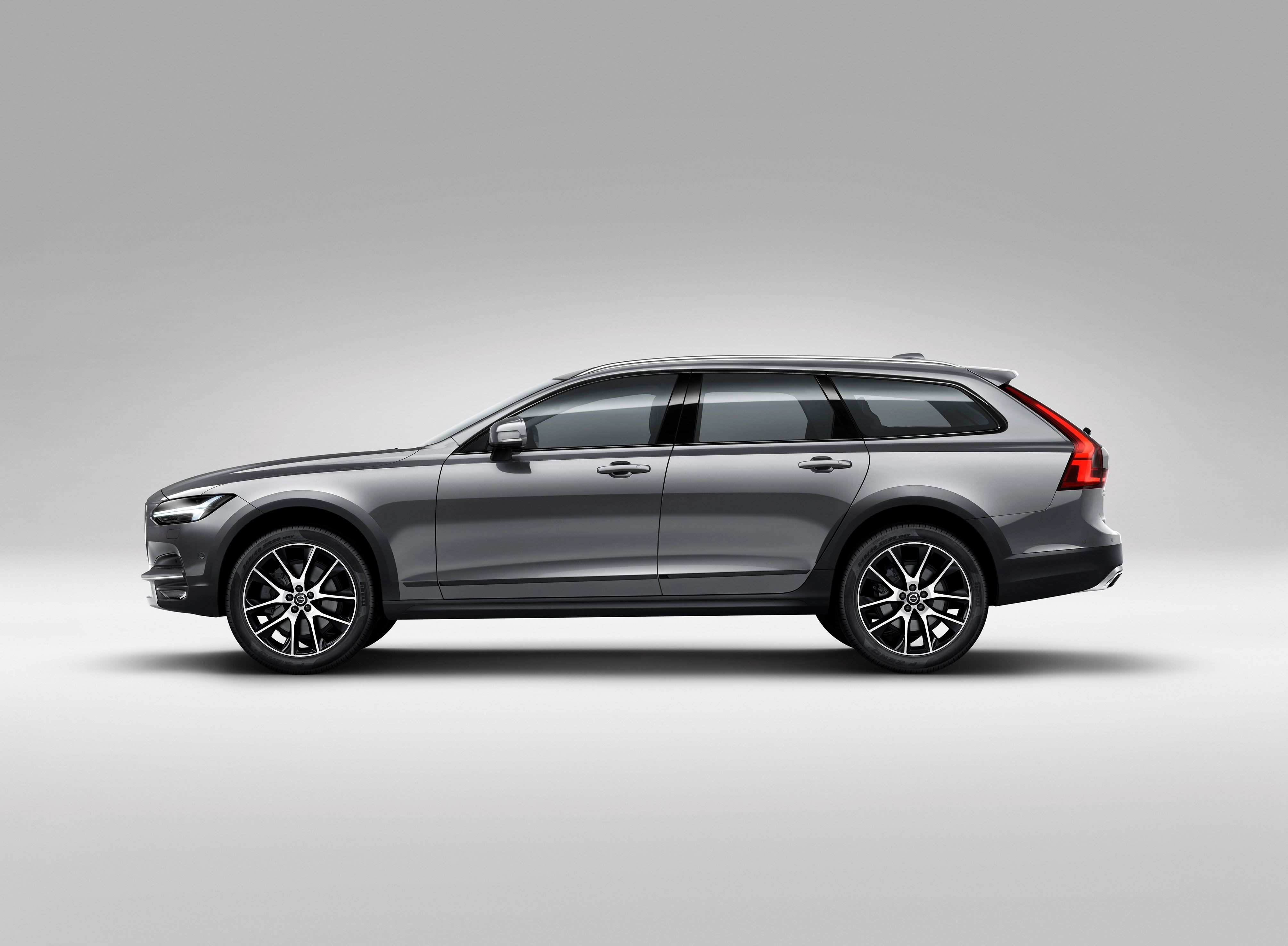 Volvo V90 Cross Country accessories restyling