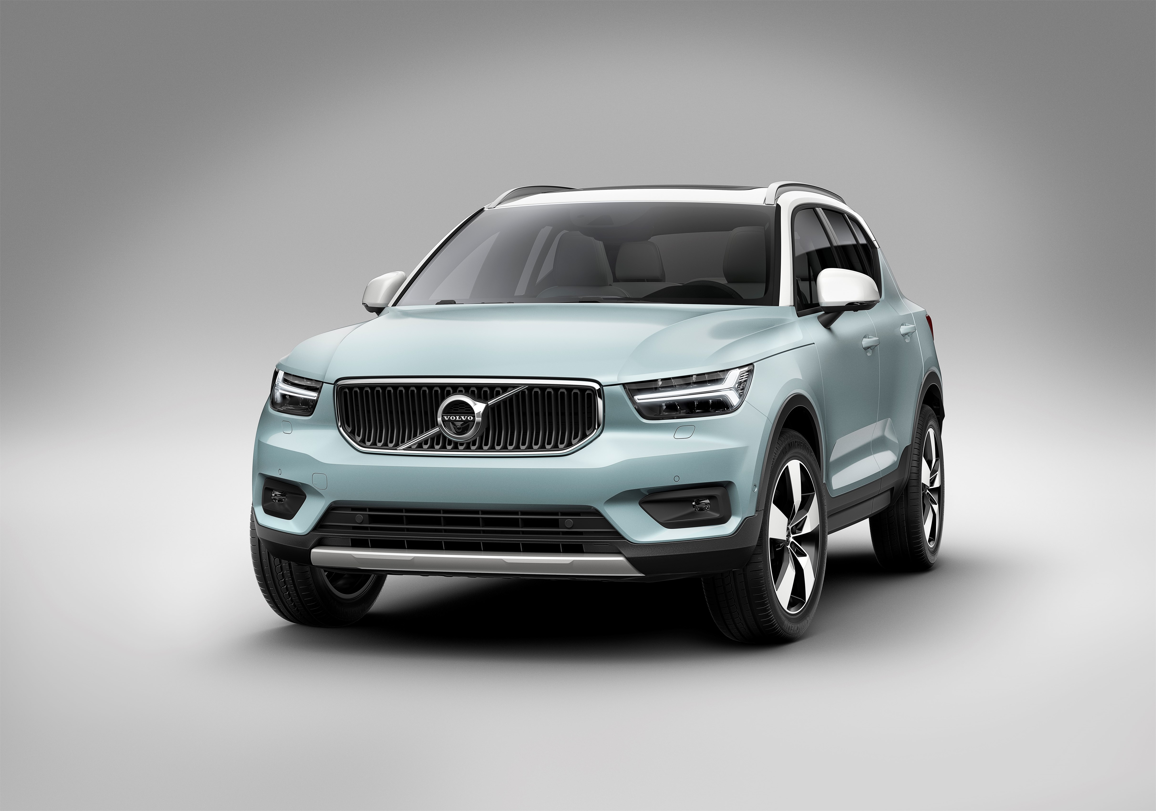 Volvo XC40 hd specifications