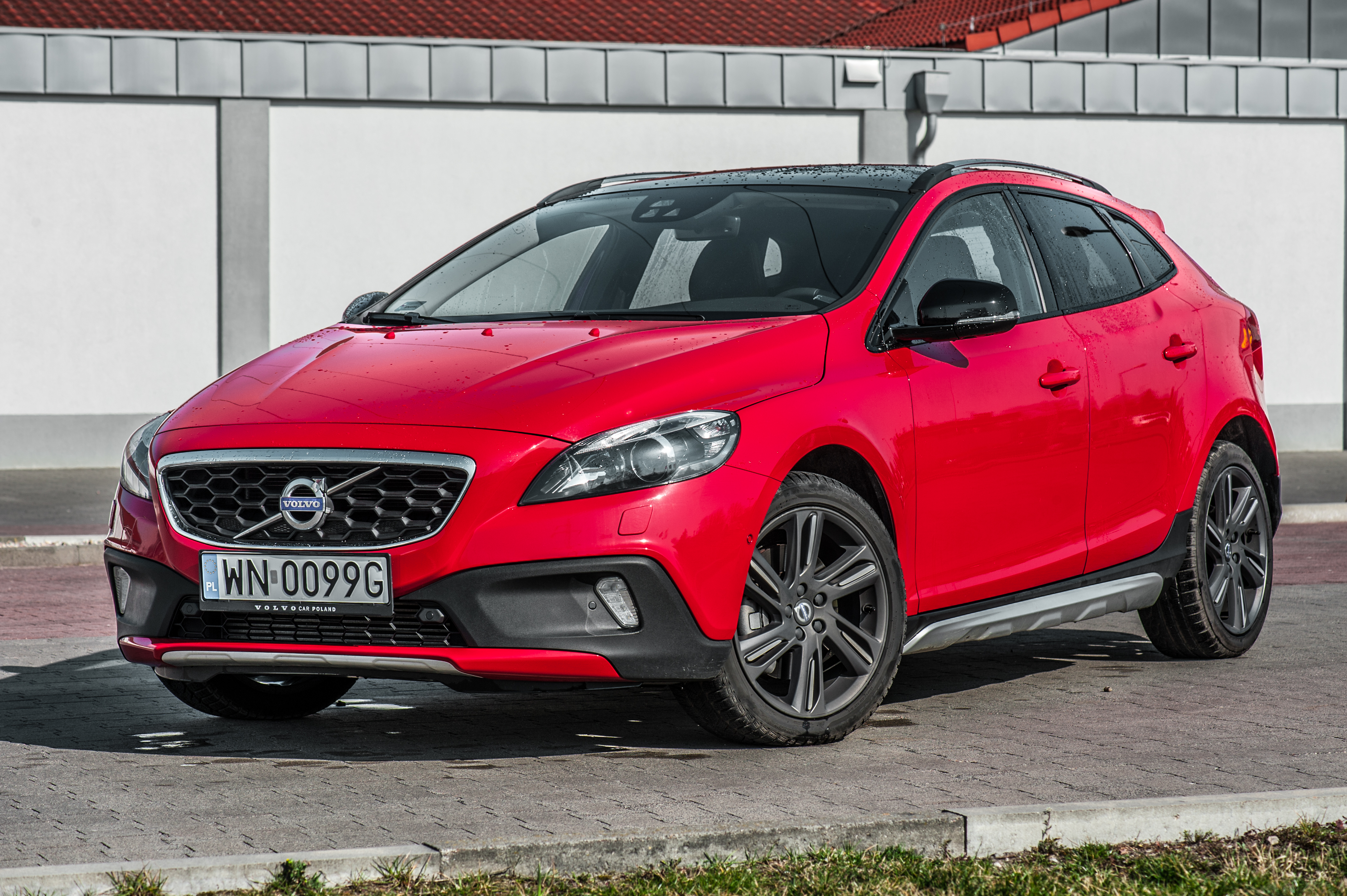 Volvo V40 Cross Country accessories restyling