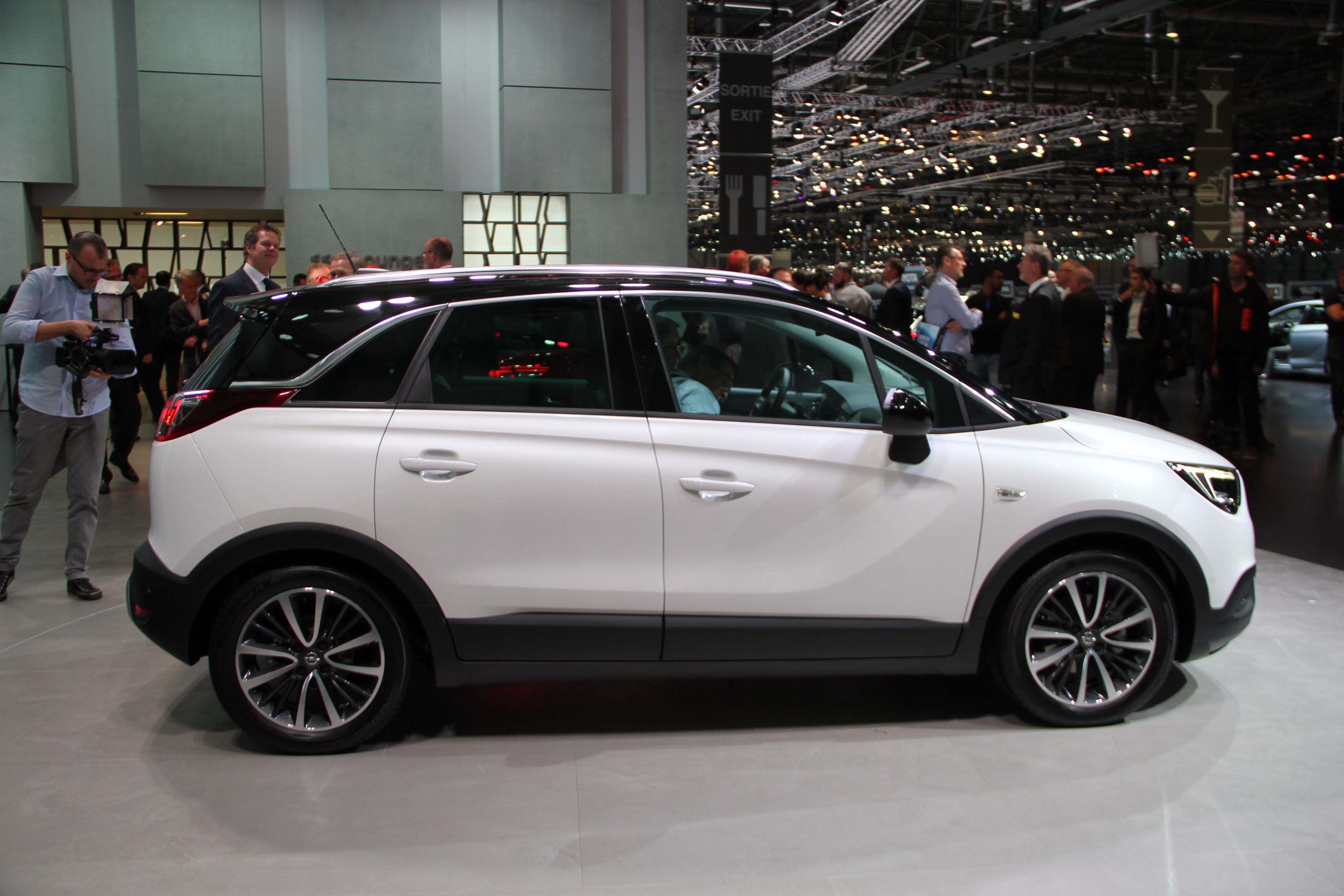 Opel Crossland X mod specifications