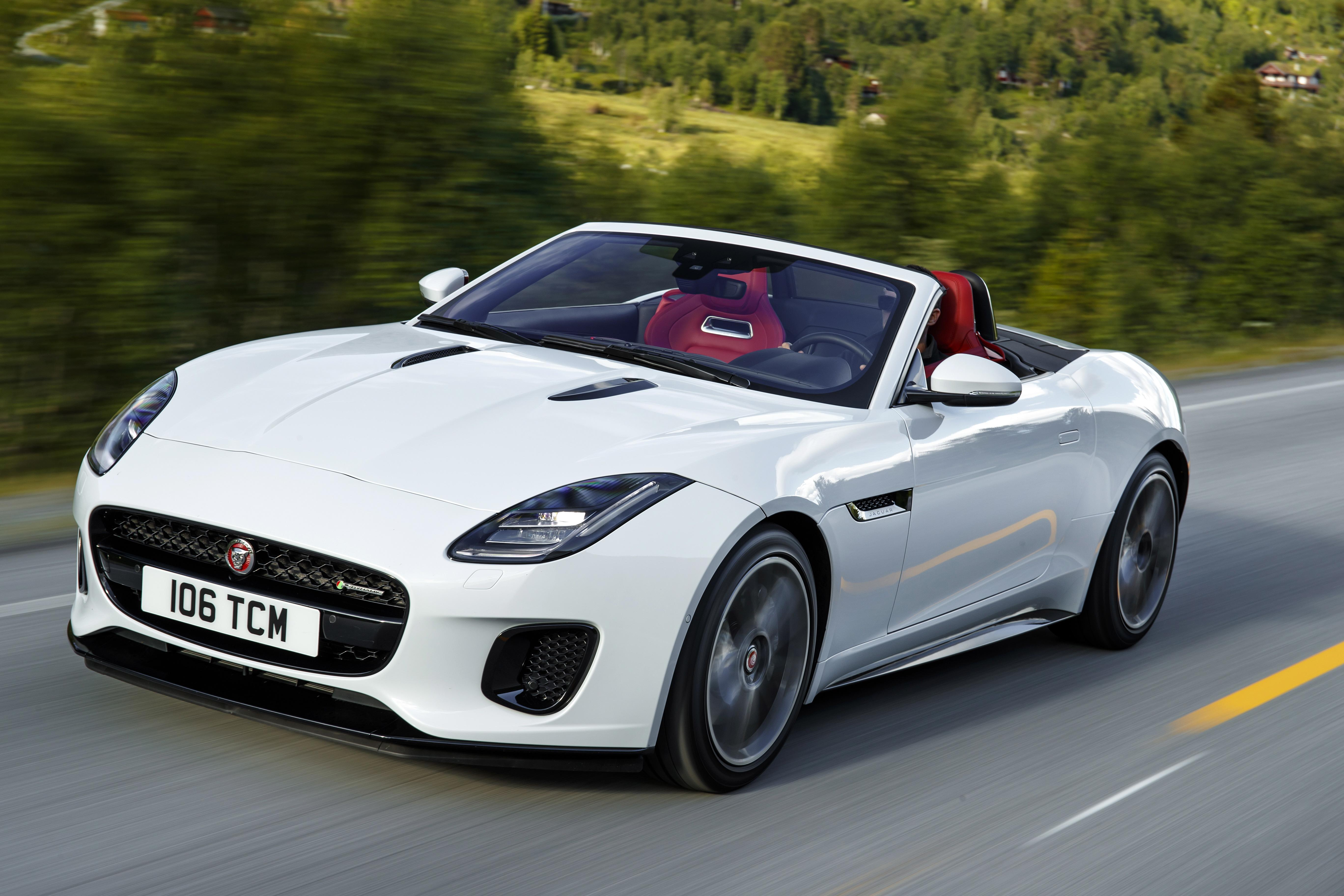 Jaguar F-Type Coupe interior specifications
