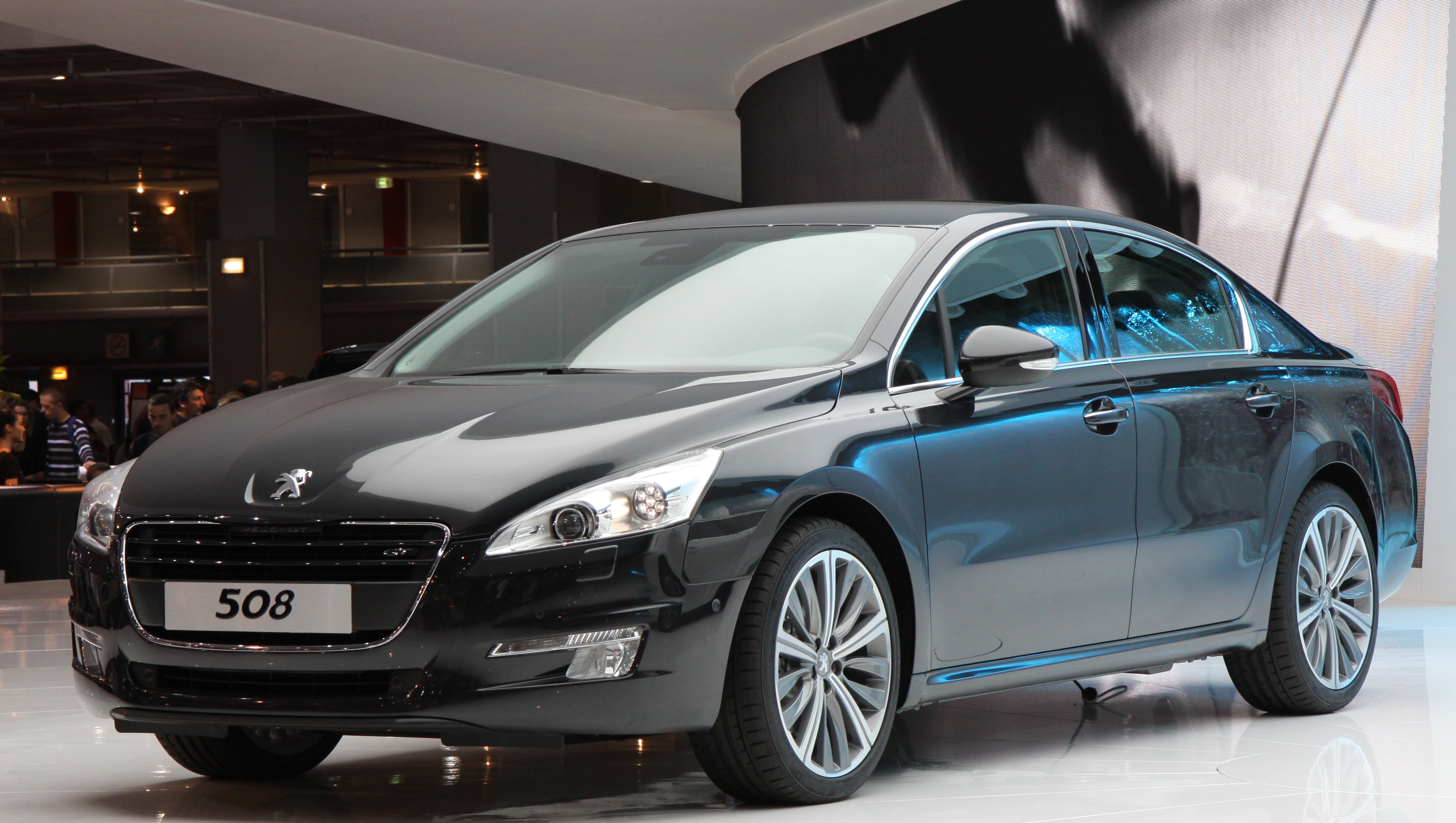 Peugeot 408 exterior restyling