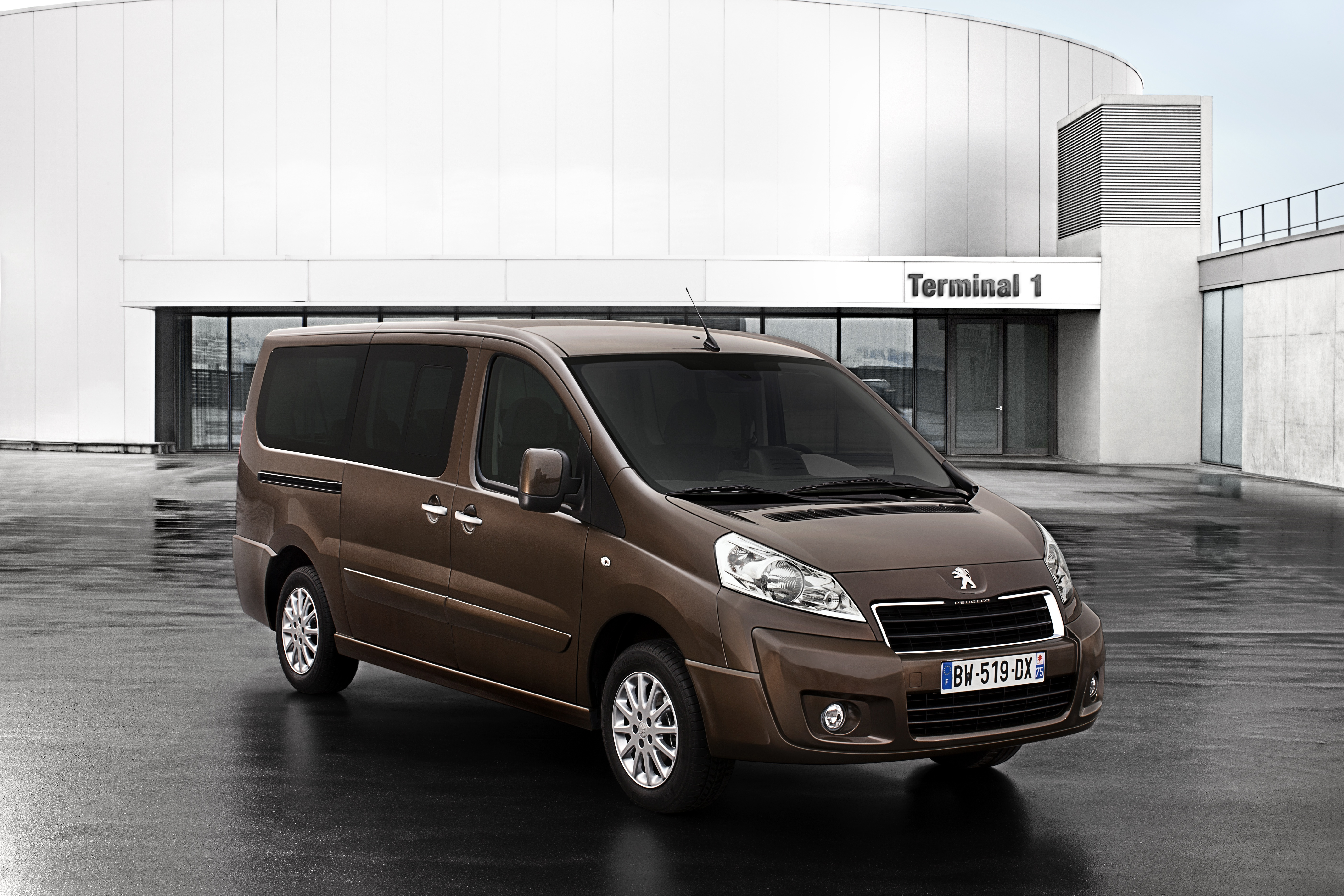Peugeot Expert Fourgon accessories specifications